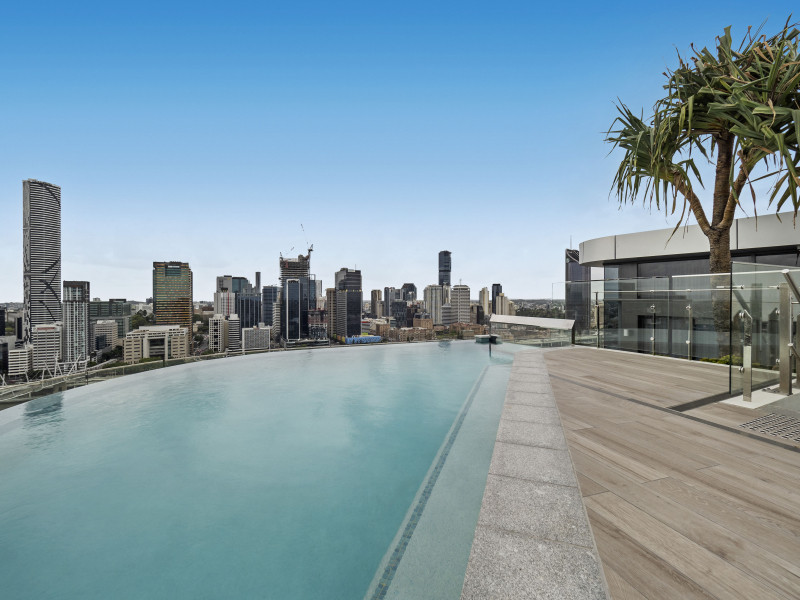 Best value for a 2-bedroom apartment in Brisbane! Fully Furnished!