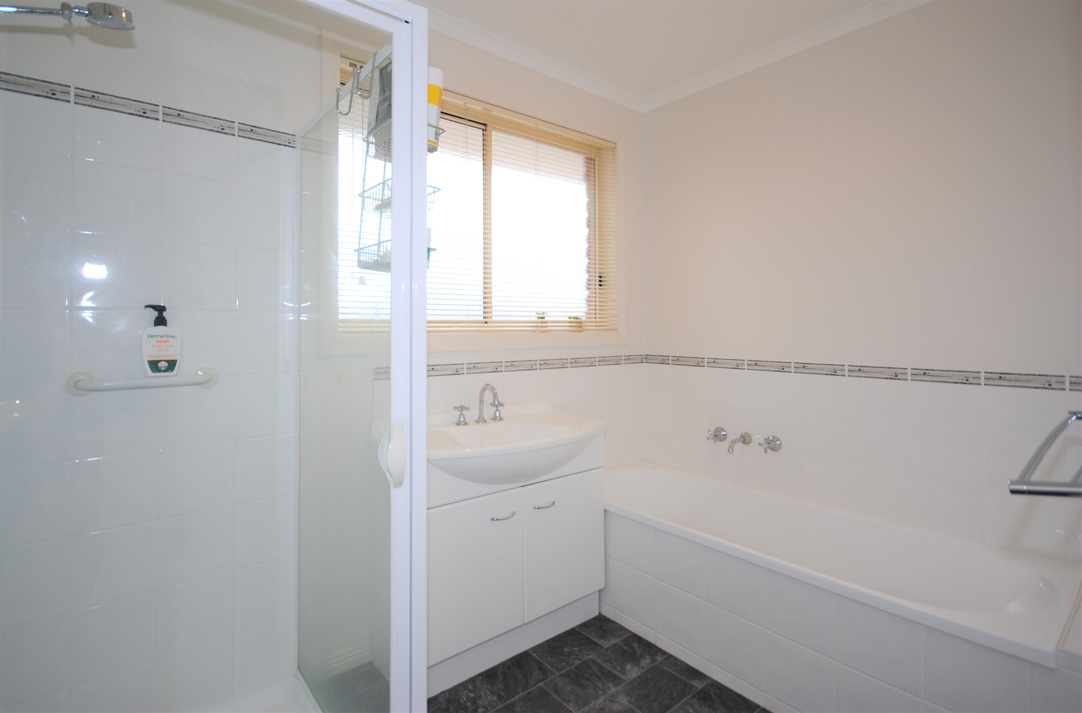 property image 1235152