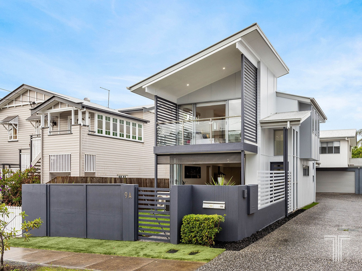 Free-Hold Executive Family Home in Inner-City Precinct