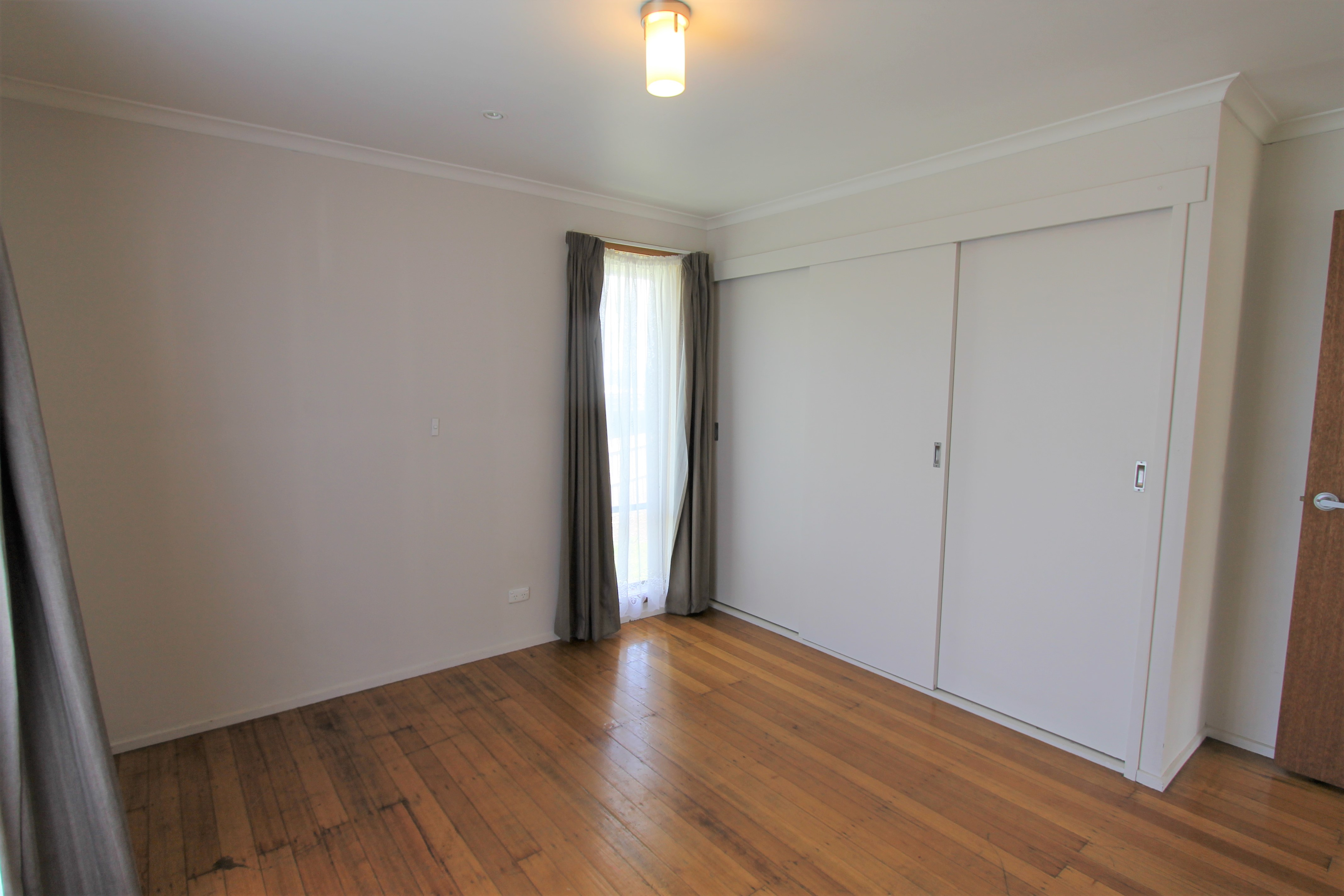 property image 1643678