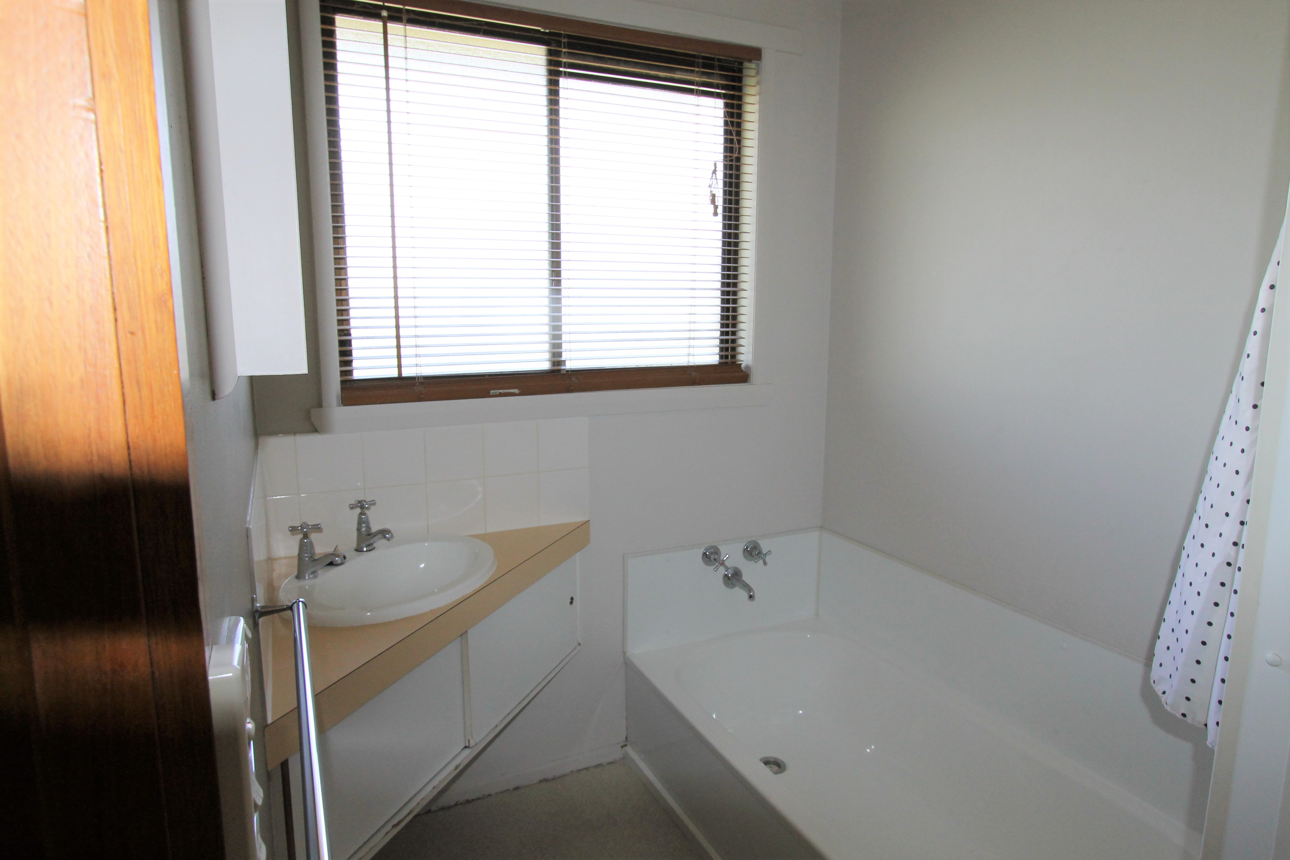property image 1643681