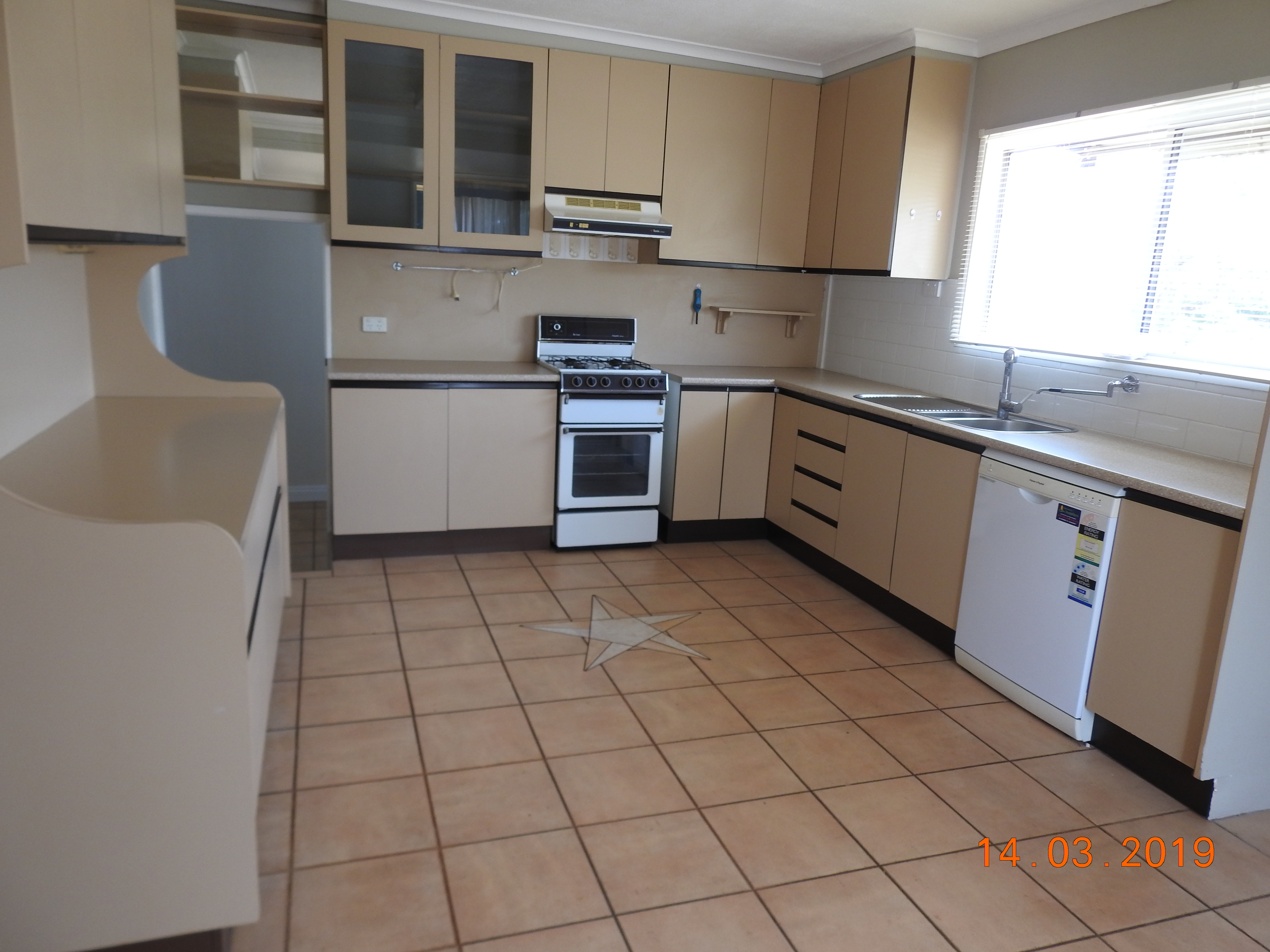 PRIVATE, RENOVATED & CLOSE TO ALL AMENITIES