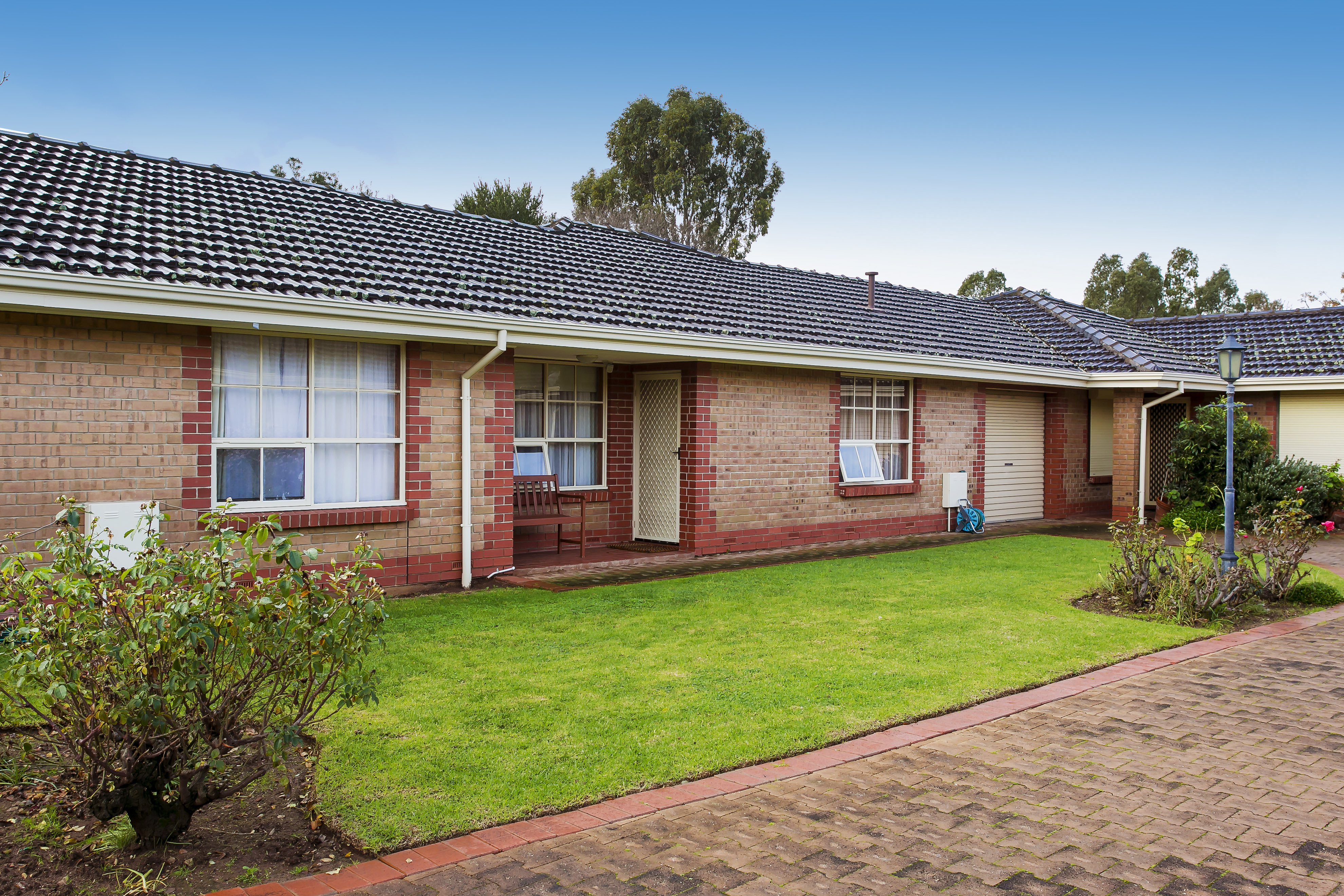 Immaculate & Spacious Open Plan Two Bedroom Unit in Quiet Group