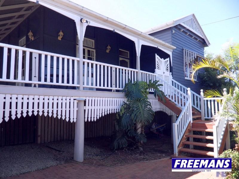 Large Queenslander complete with in-ground pool