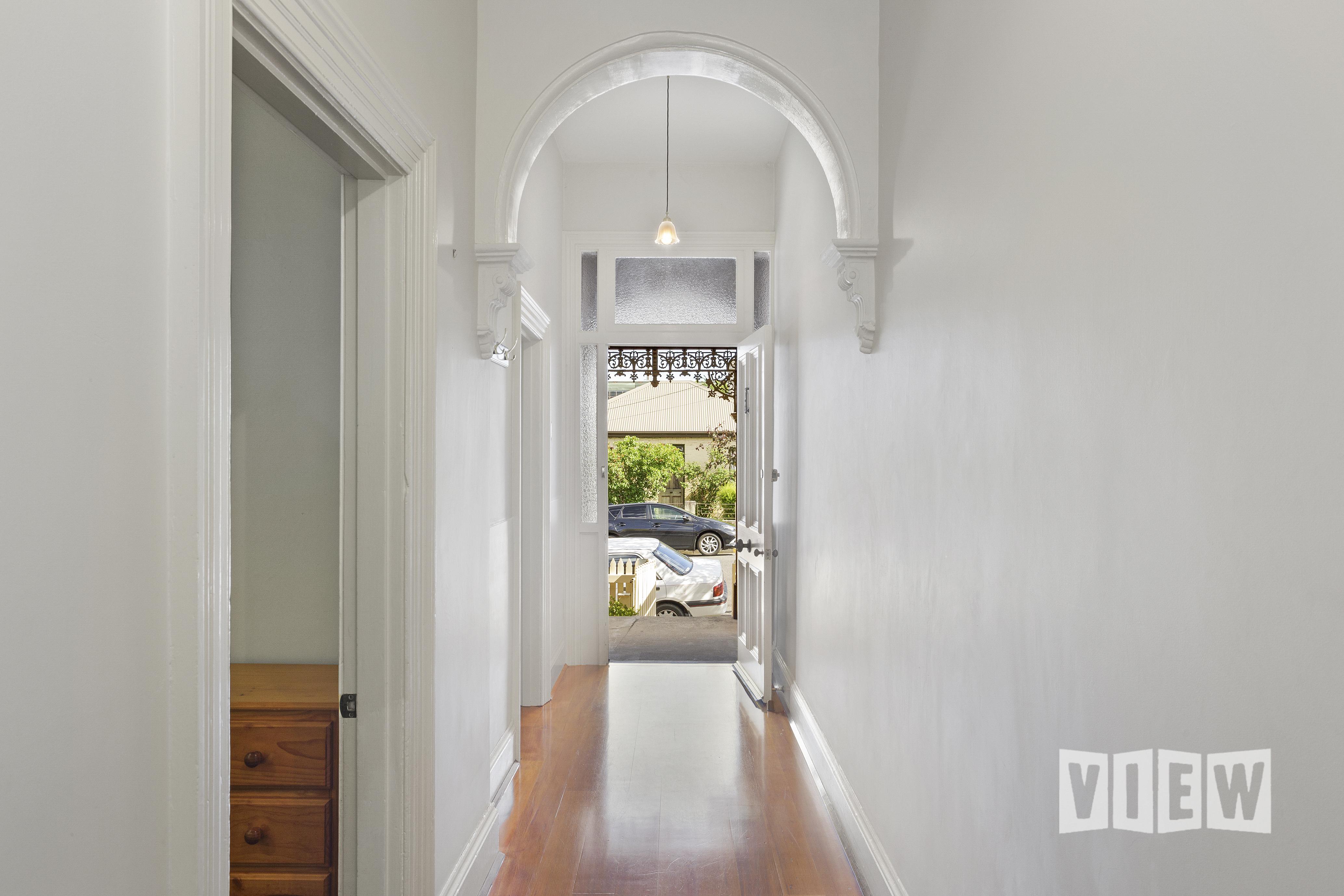 property image 2041080