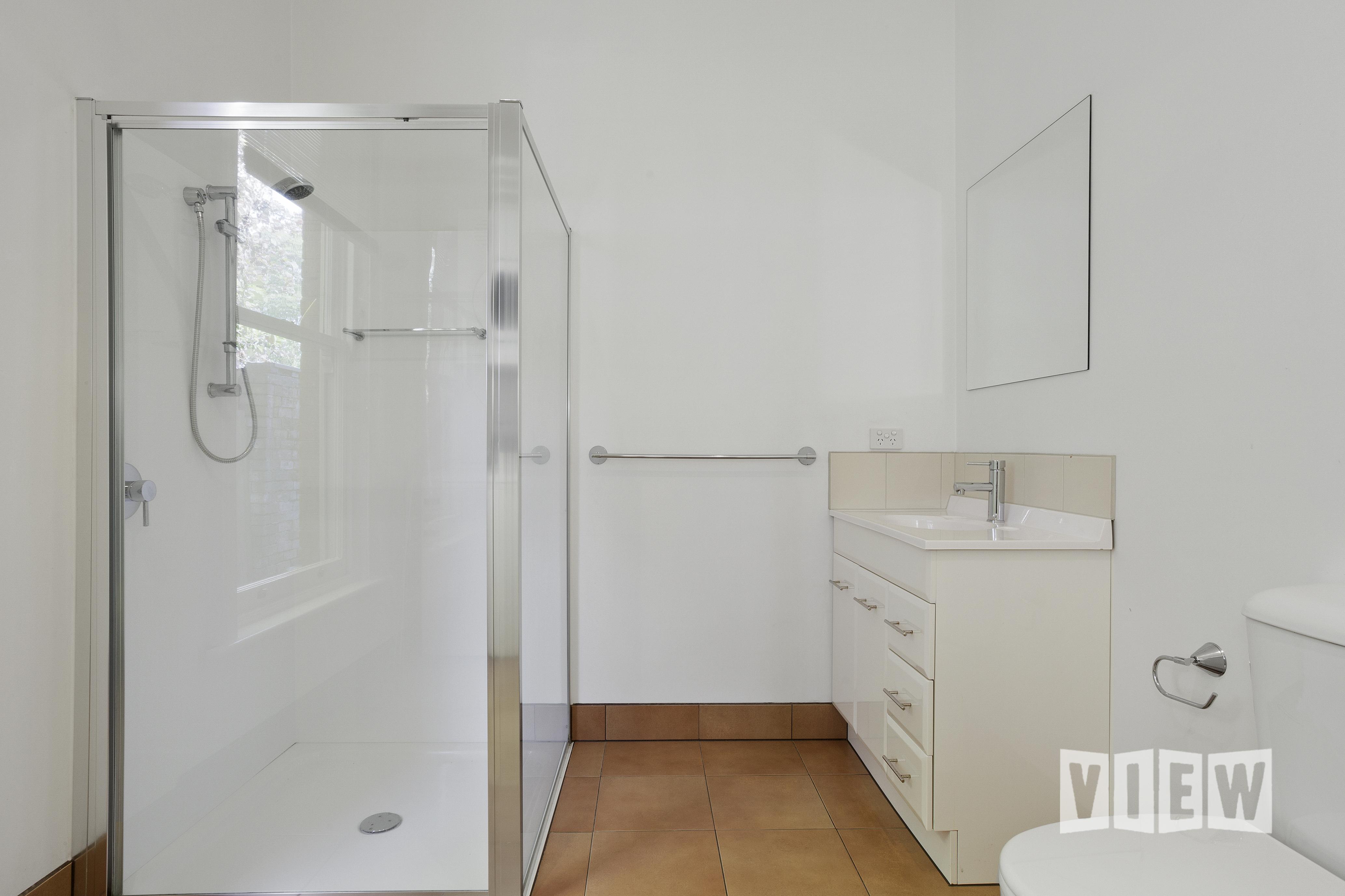 property image 2041083