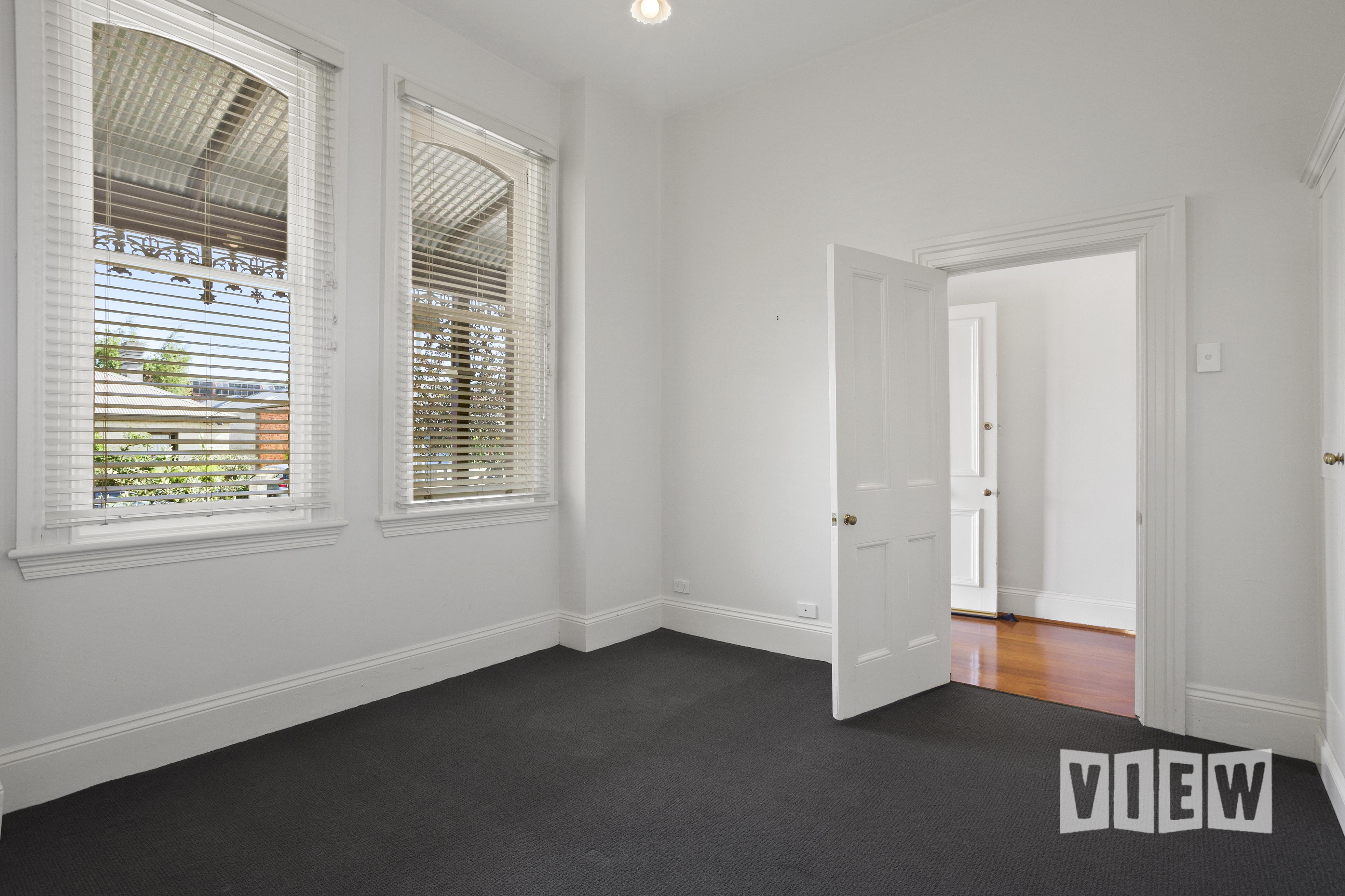 property image 2041081