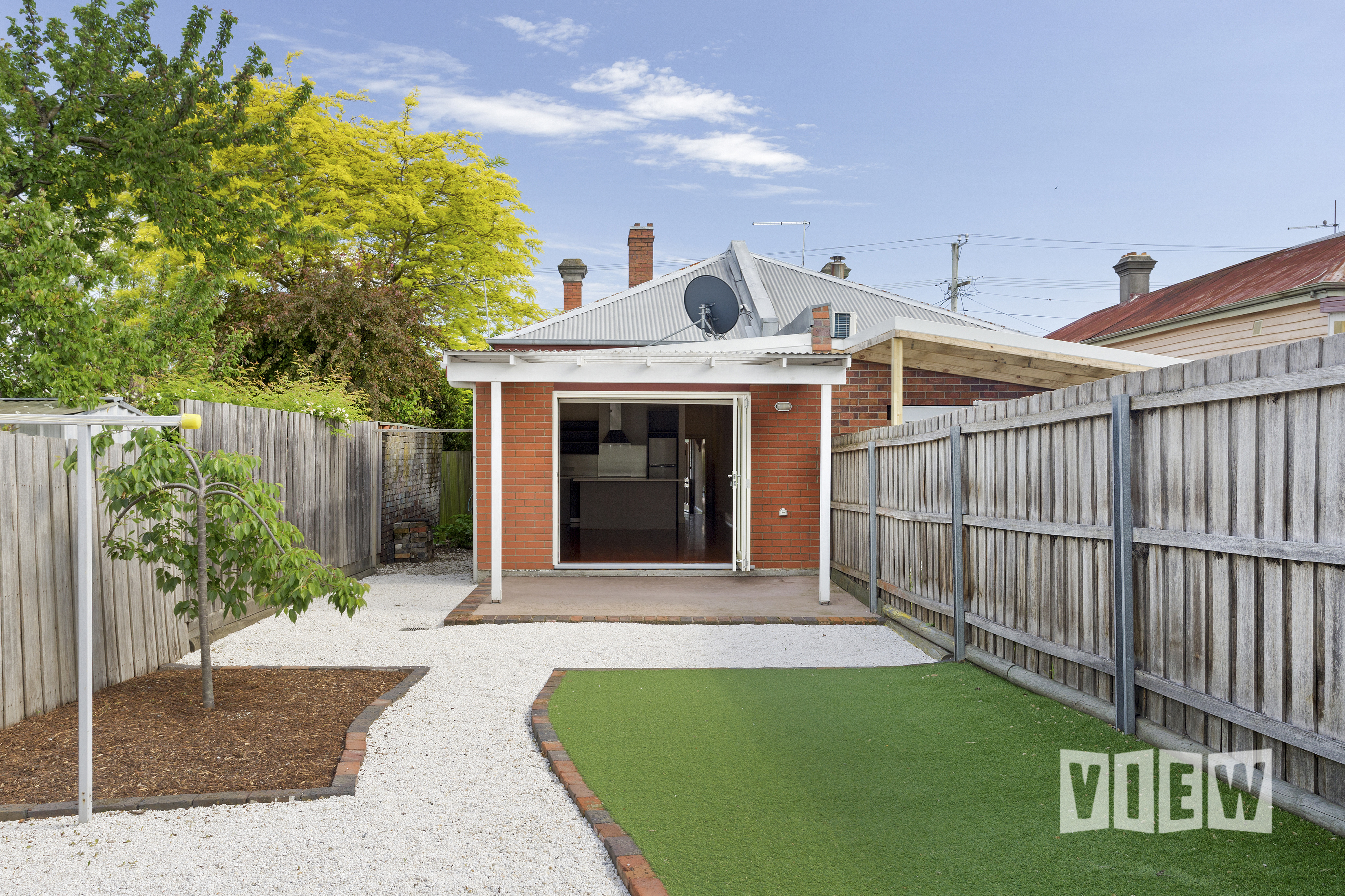 property image 2041087