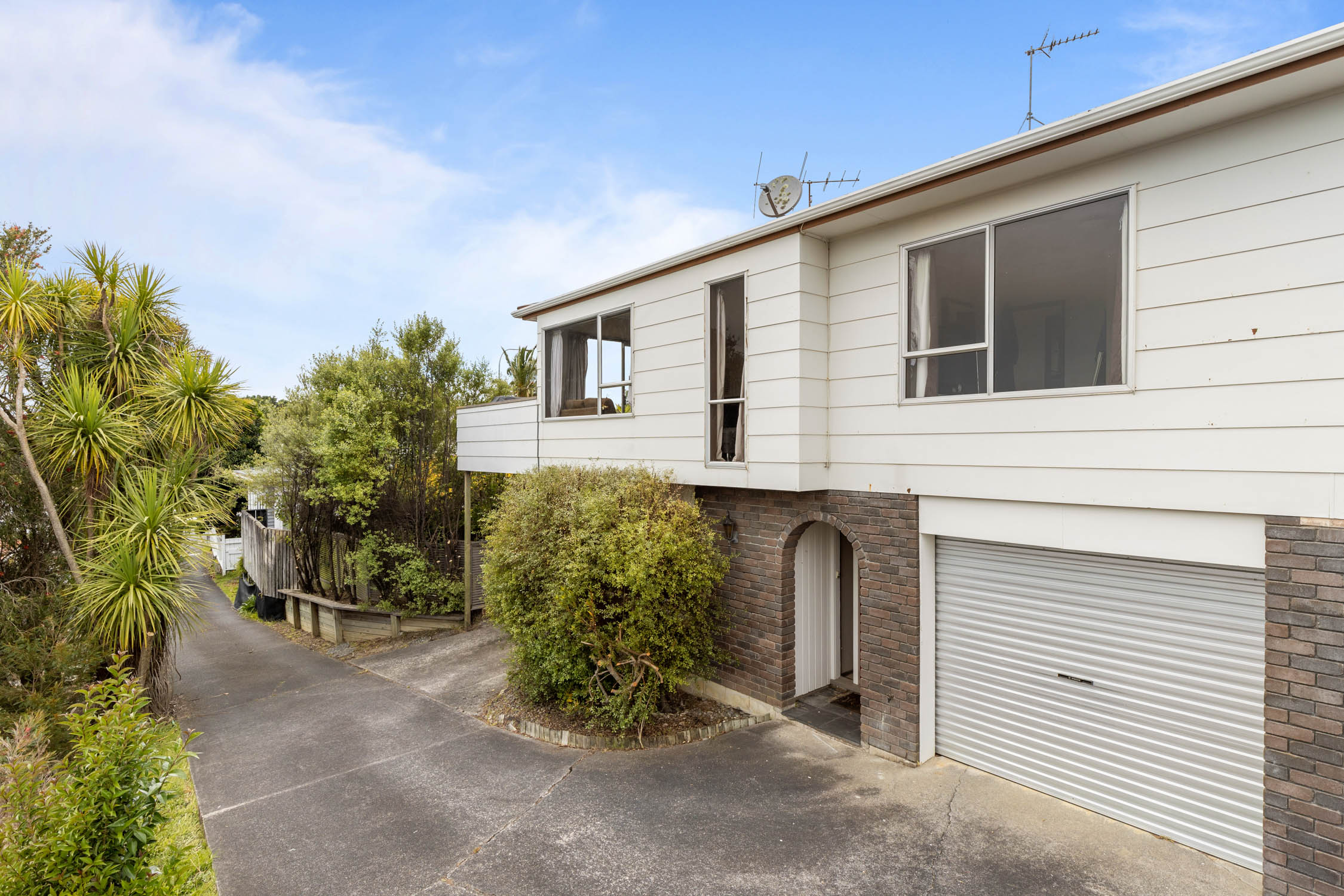 49229Open home times