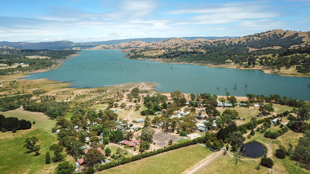 Surrounded by amazing views and absolute lake frontage, this Park has opportunities everywhere you look!