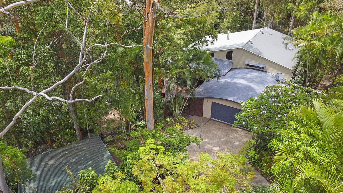 Exquisite, inspired lifestyle property set in the trees