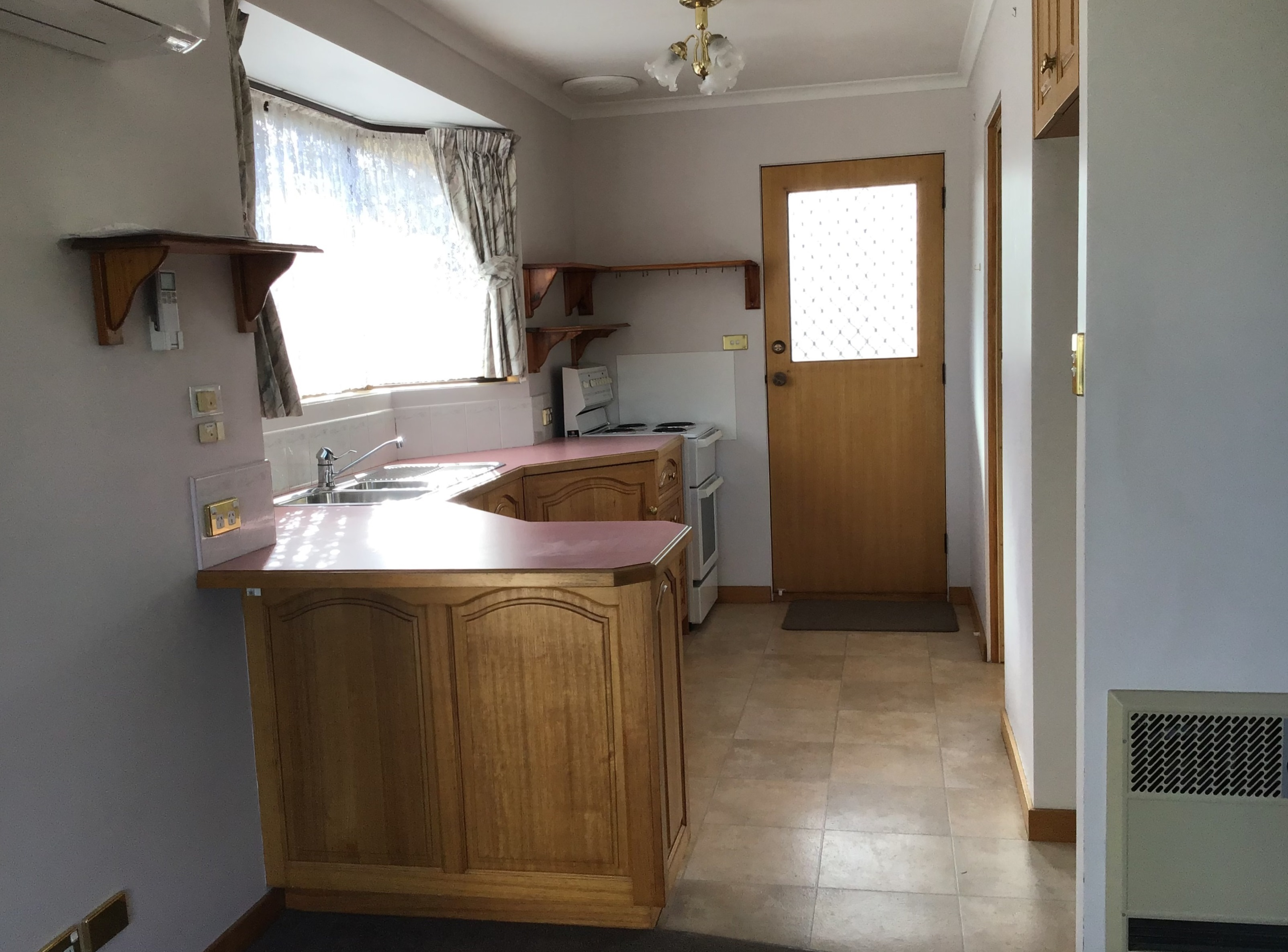 property image 2135763