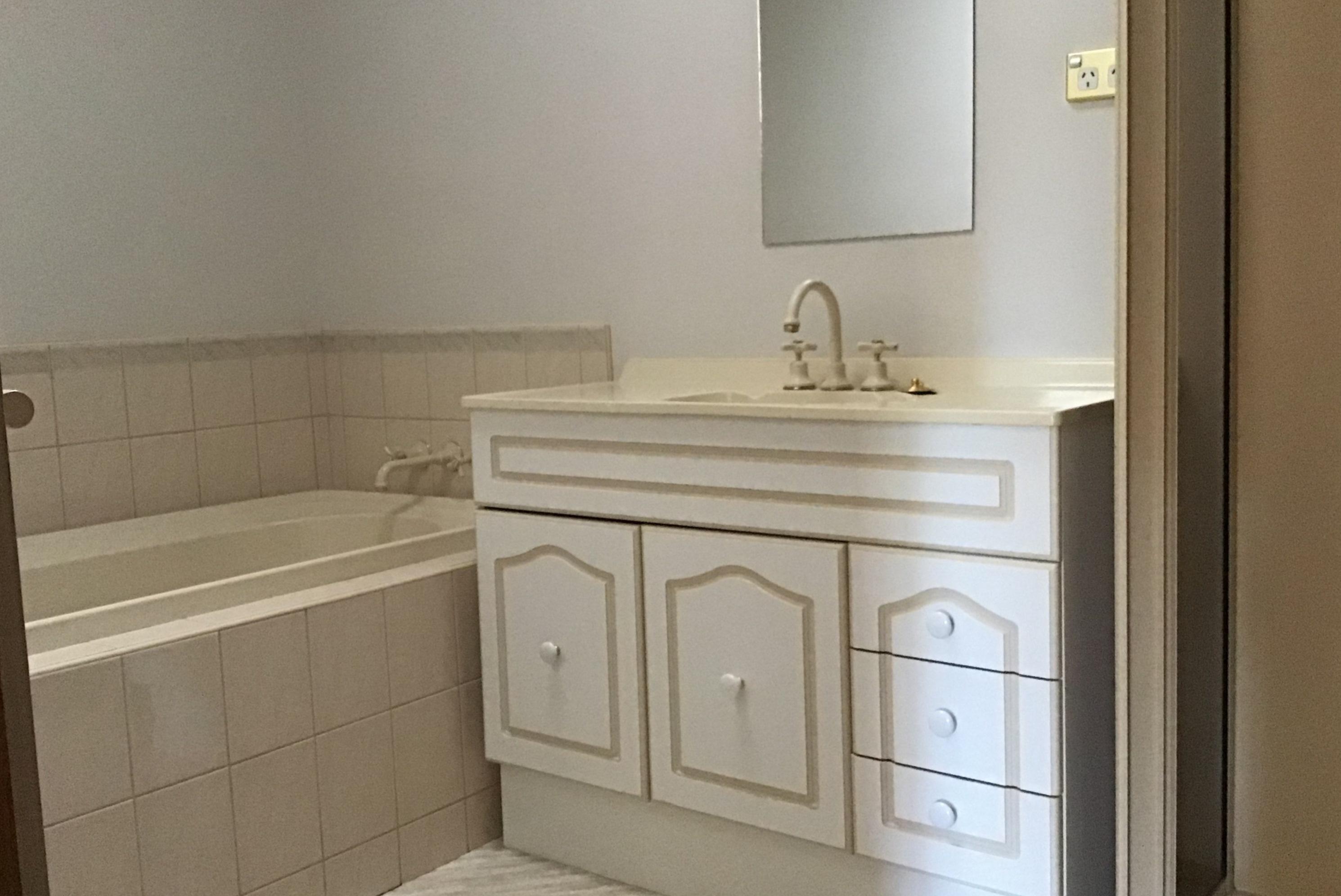 property image 2135771