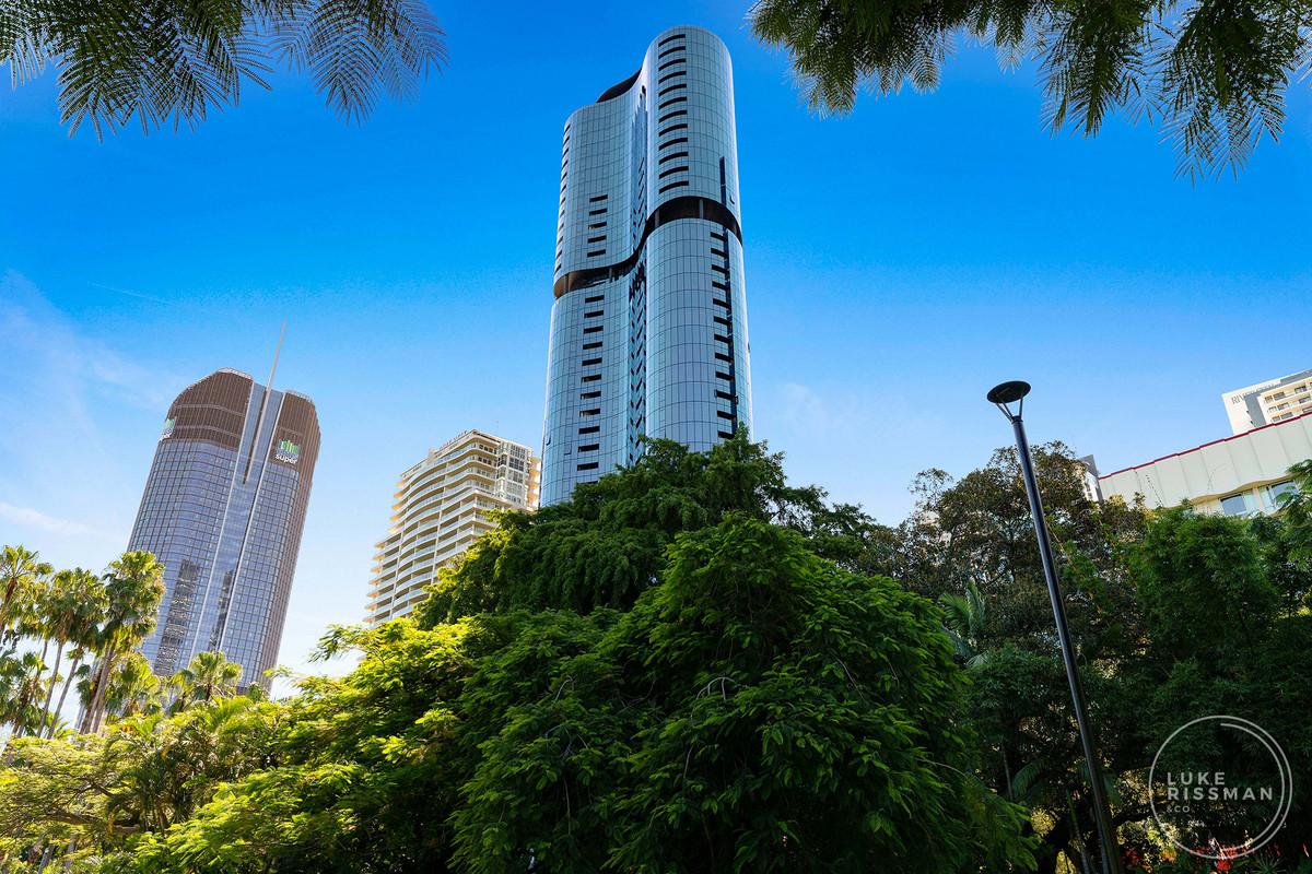 Begin 2021 in Brisbane's most prestigious apartment building!