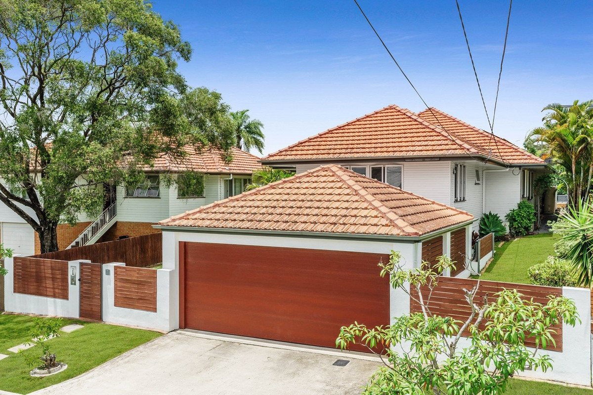 North Facing Family Entertainer