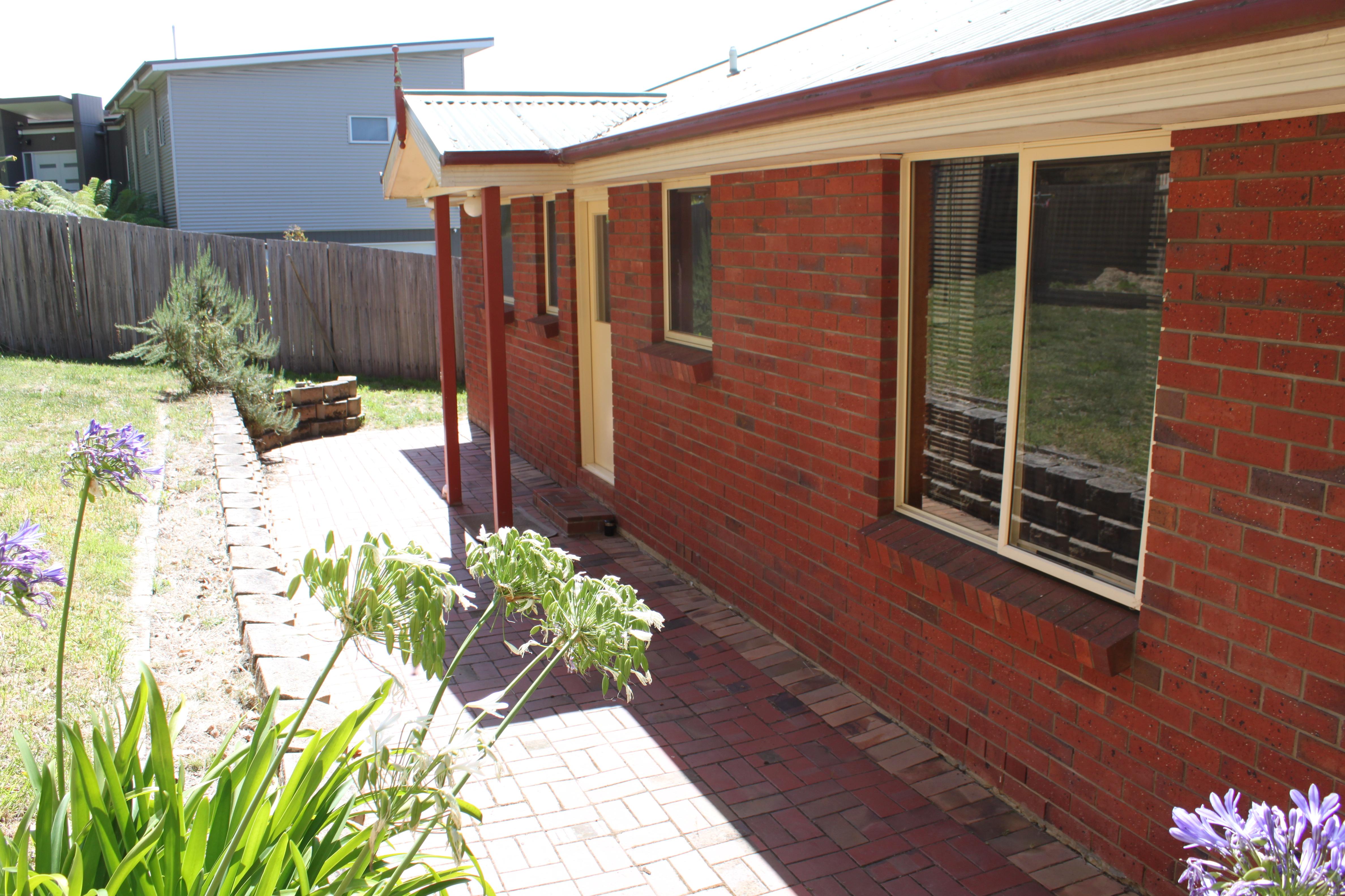 property image 2181040