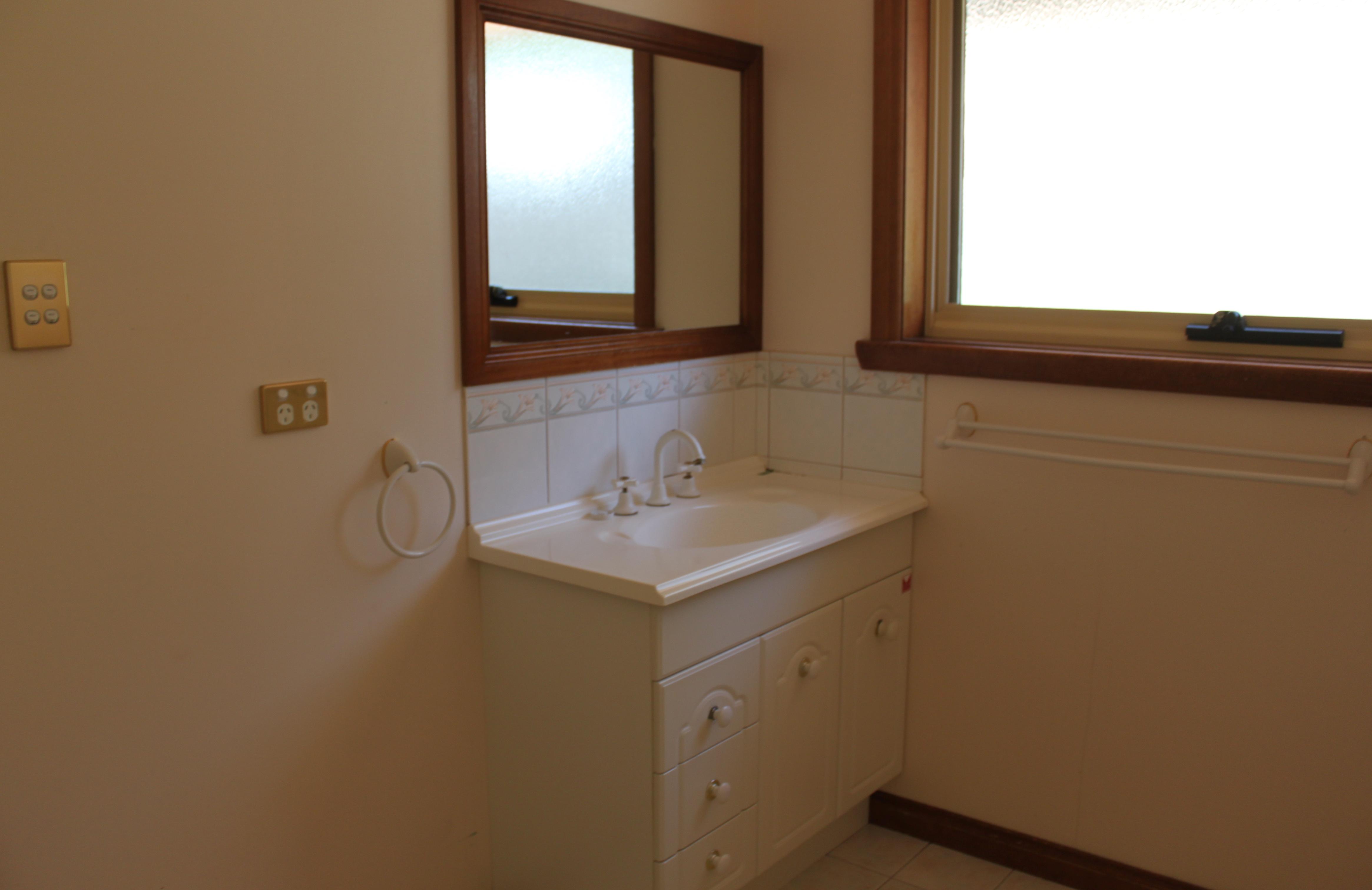 property image 2181036