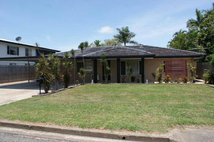 FULLY FURNISHED Pet friendly 4 Bedroom Home – NBN Connected