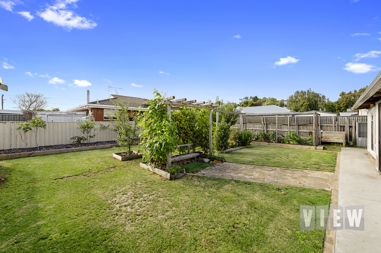 property image 2195803