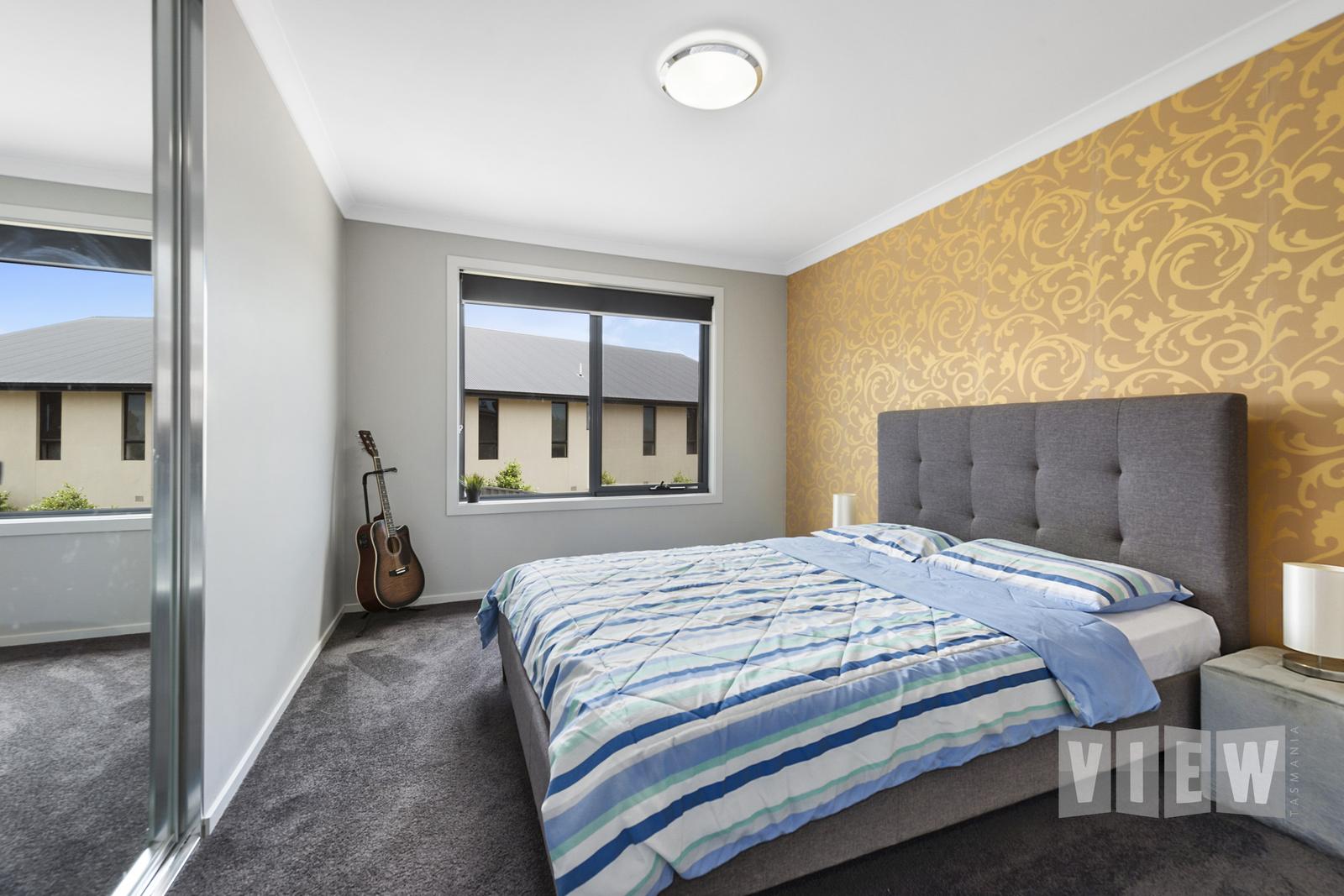 property image 2200303