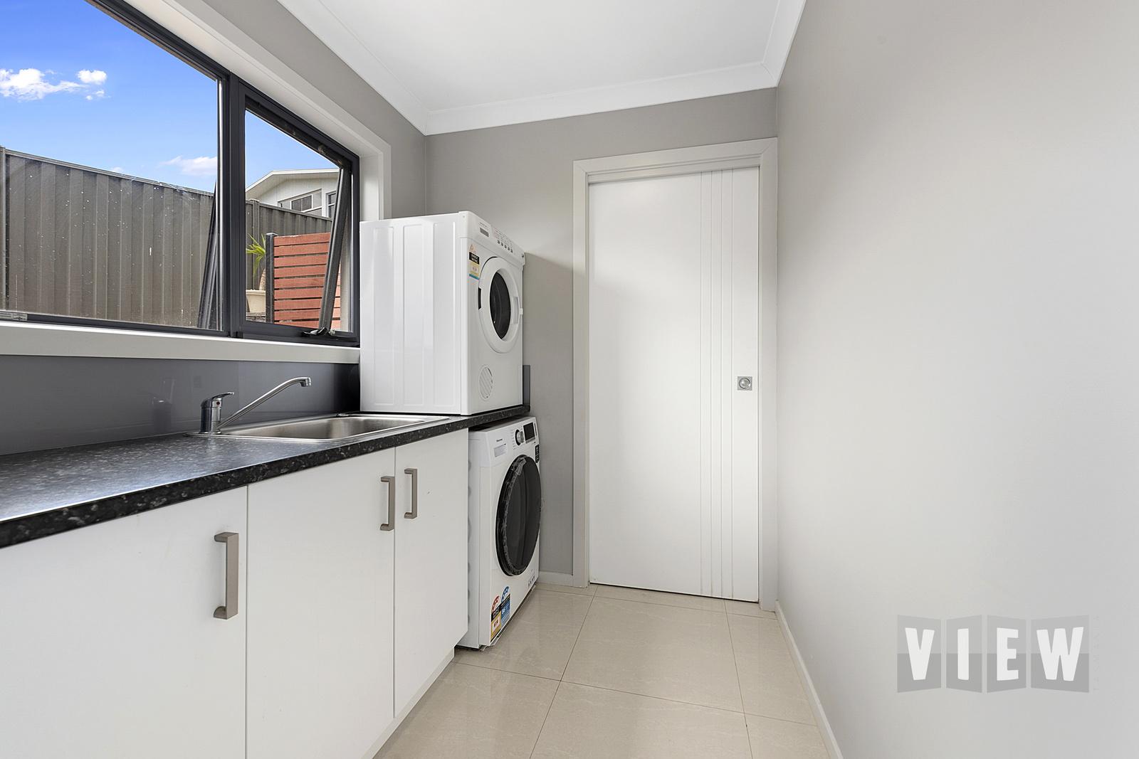 property image 2200309