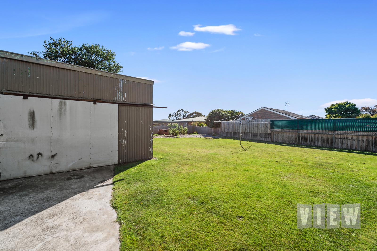 property image 2204602