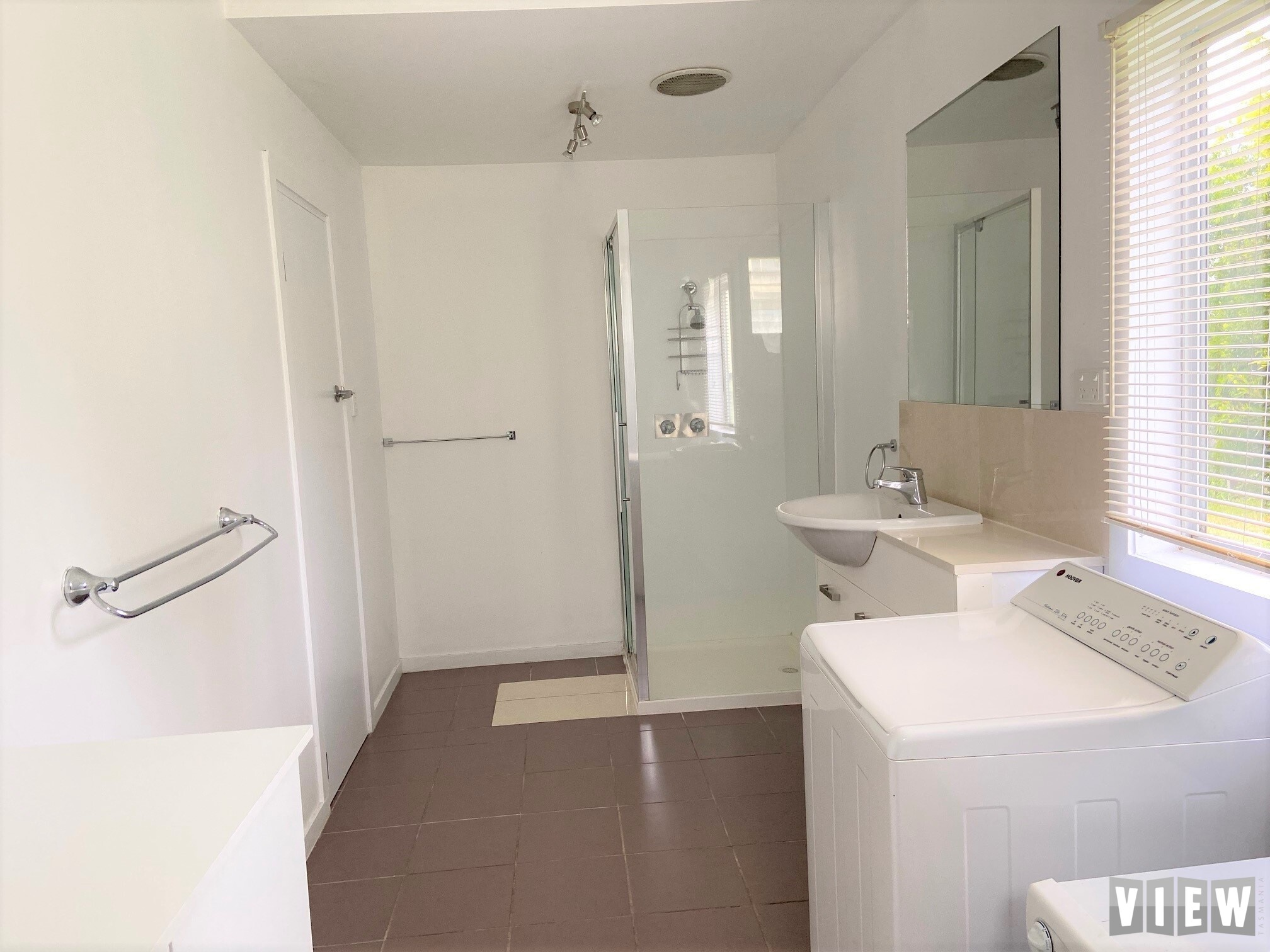 property image 2252068