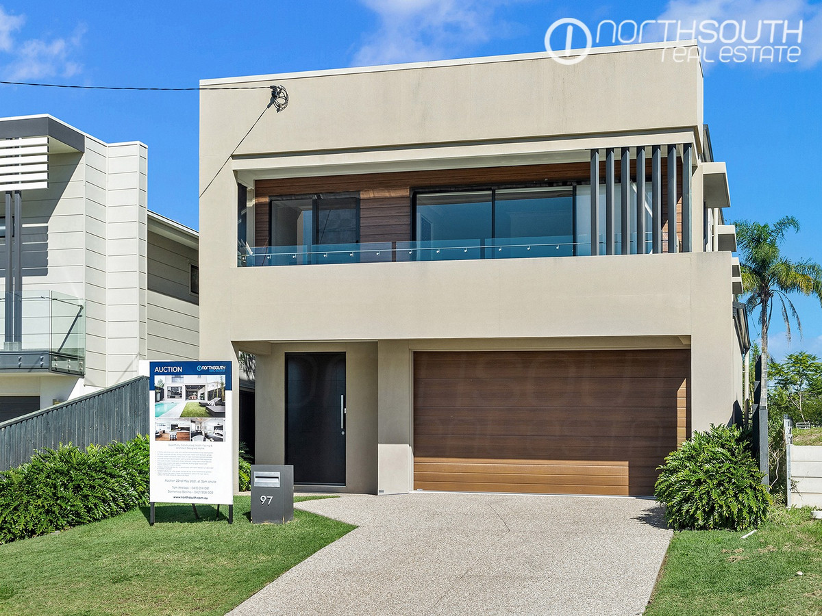 SOLD BY TOM KRALIKAS AND DOMENICO BELLINO UNDER THE HAMMER!