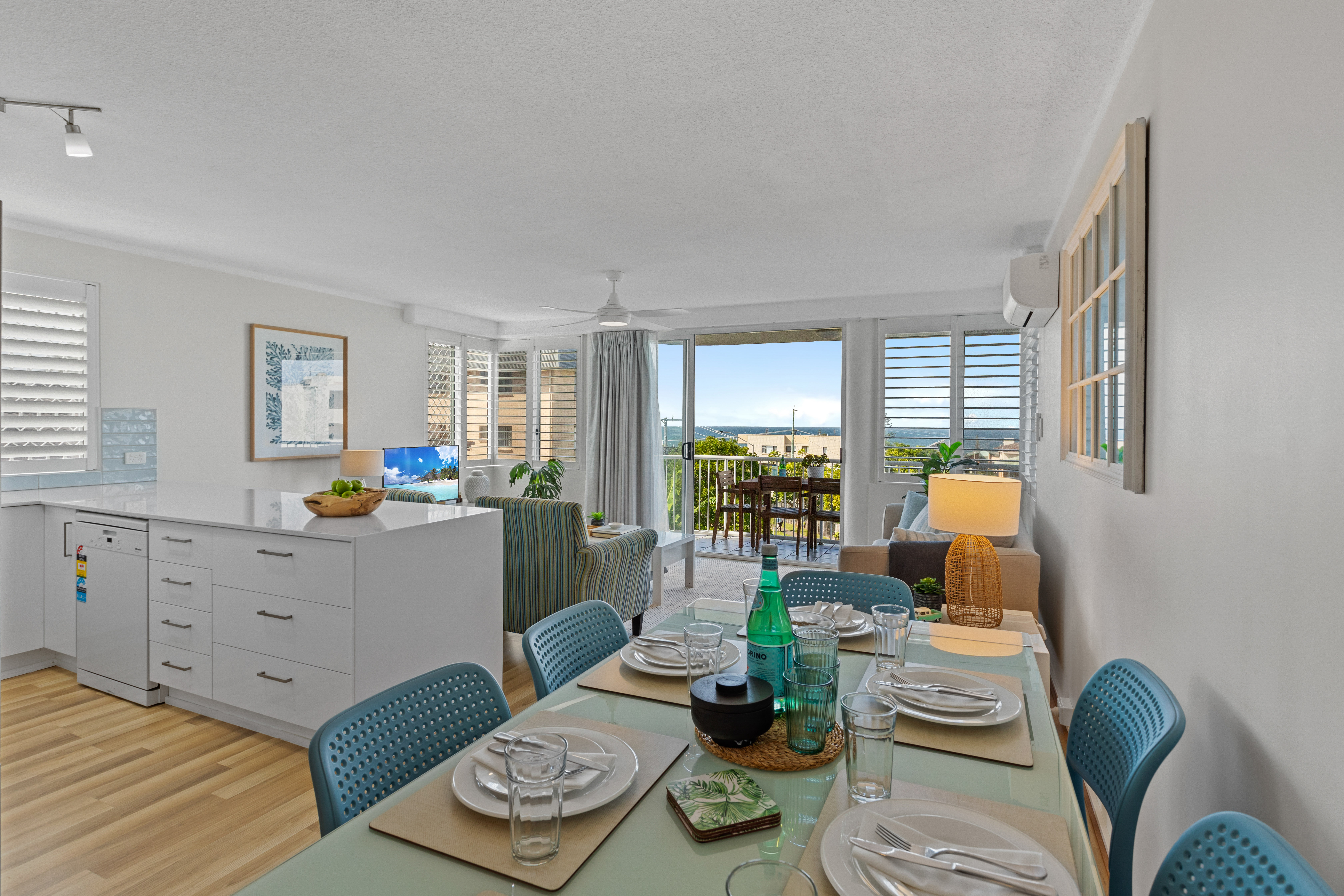 Refurbished Three Bedroom Apartment- Short Walk To Beach With Ocean Views