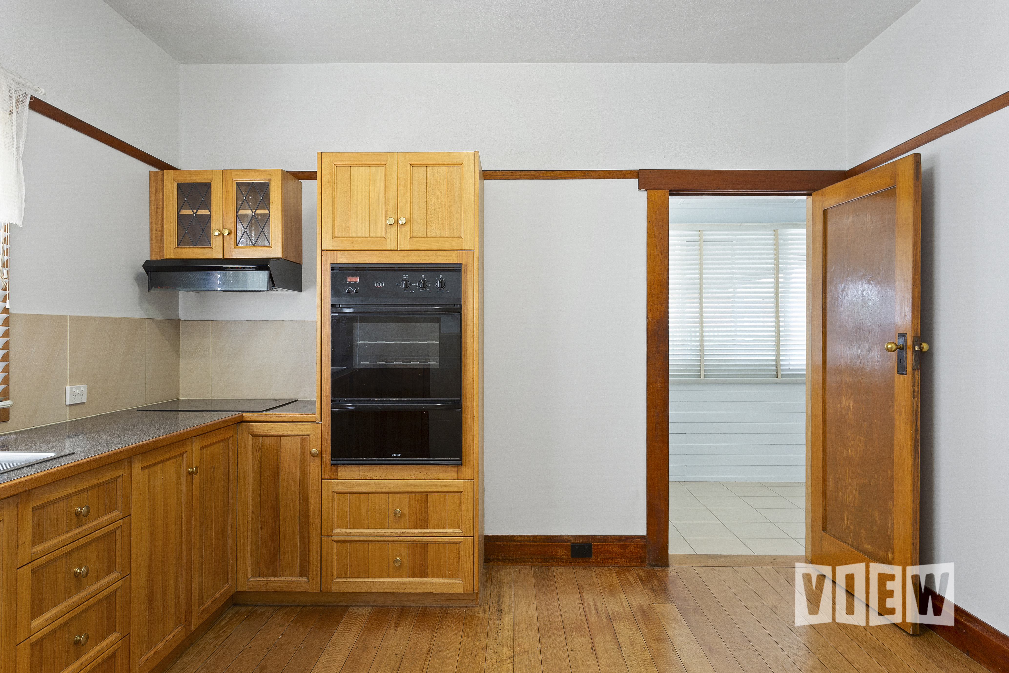property image 2300088