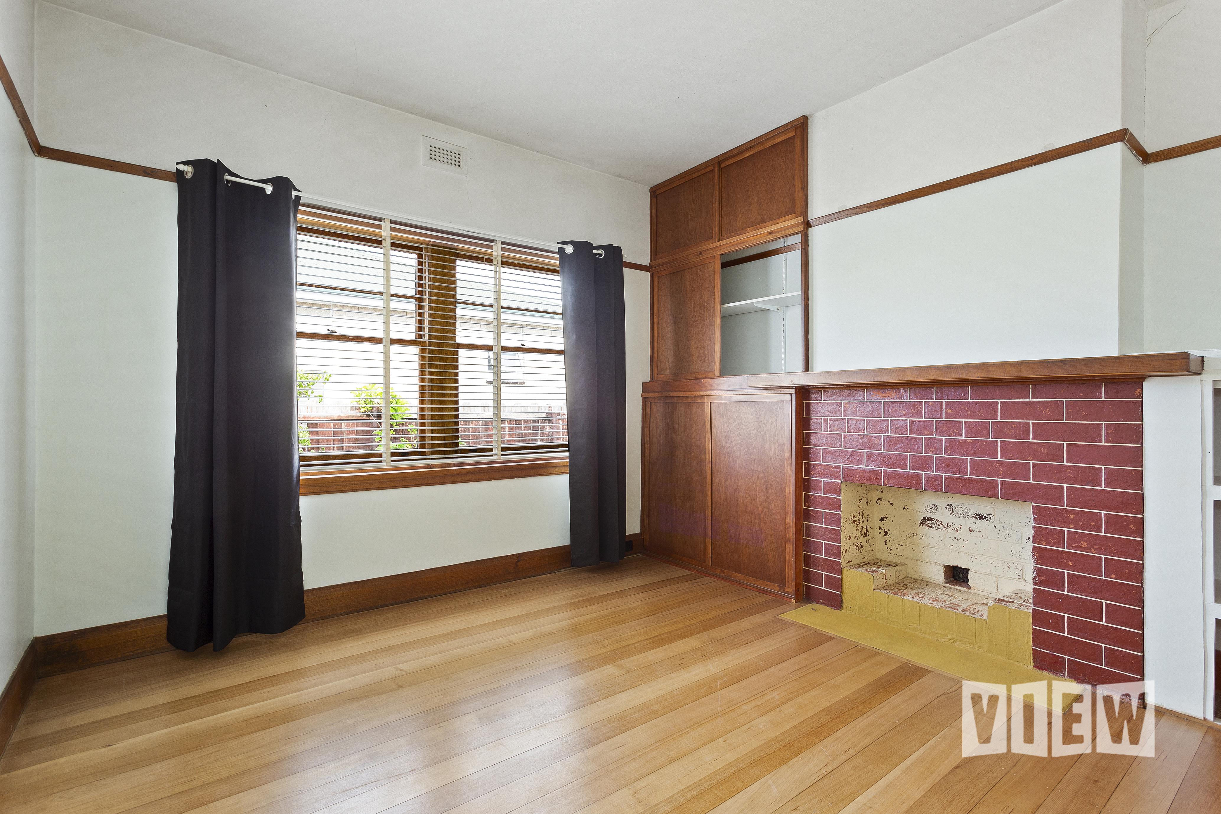 property image 2300082