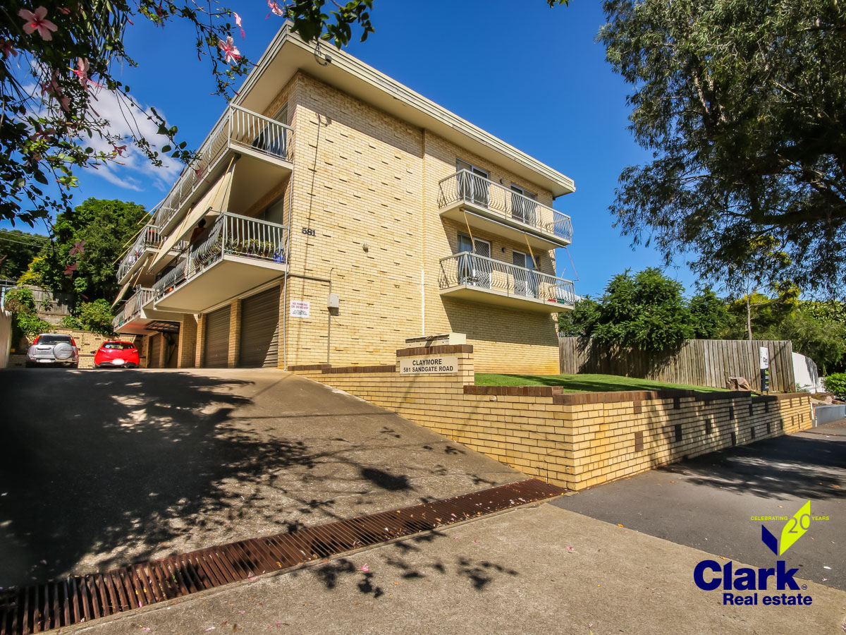 Spacious, Affordable – Great Clayfield Location