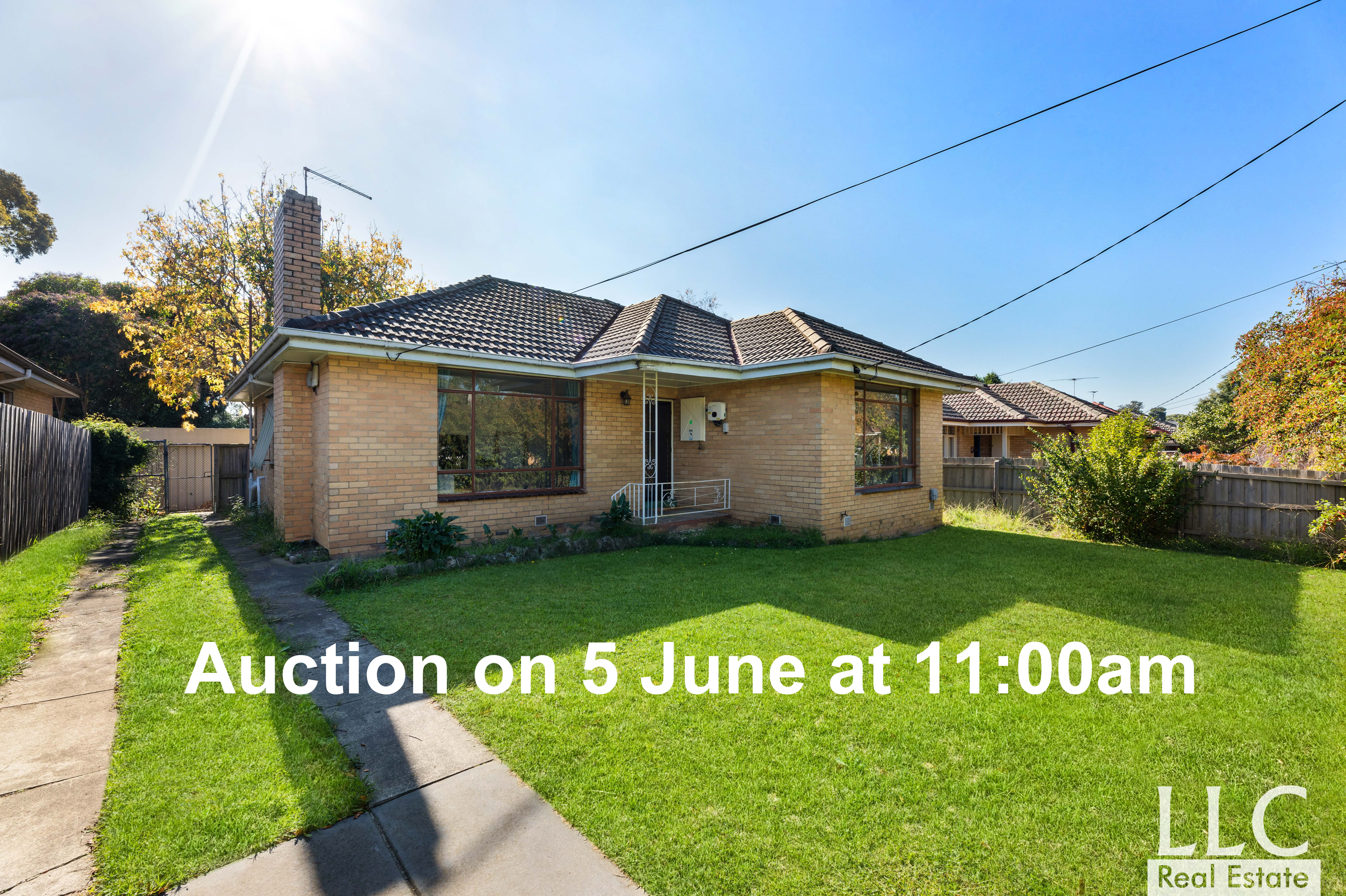 Potential-Plus On A Huge 760sqm (approx.)!