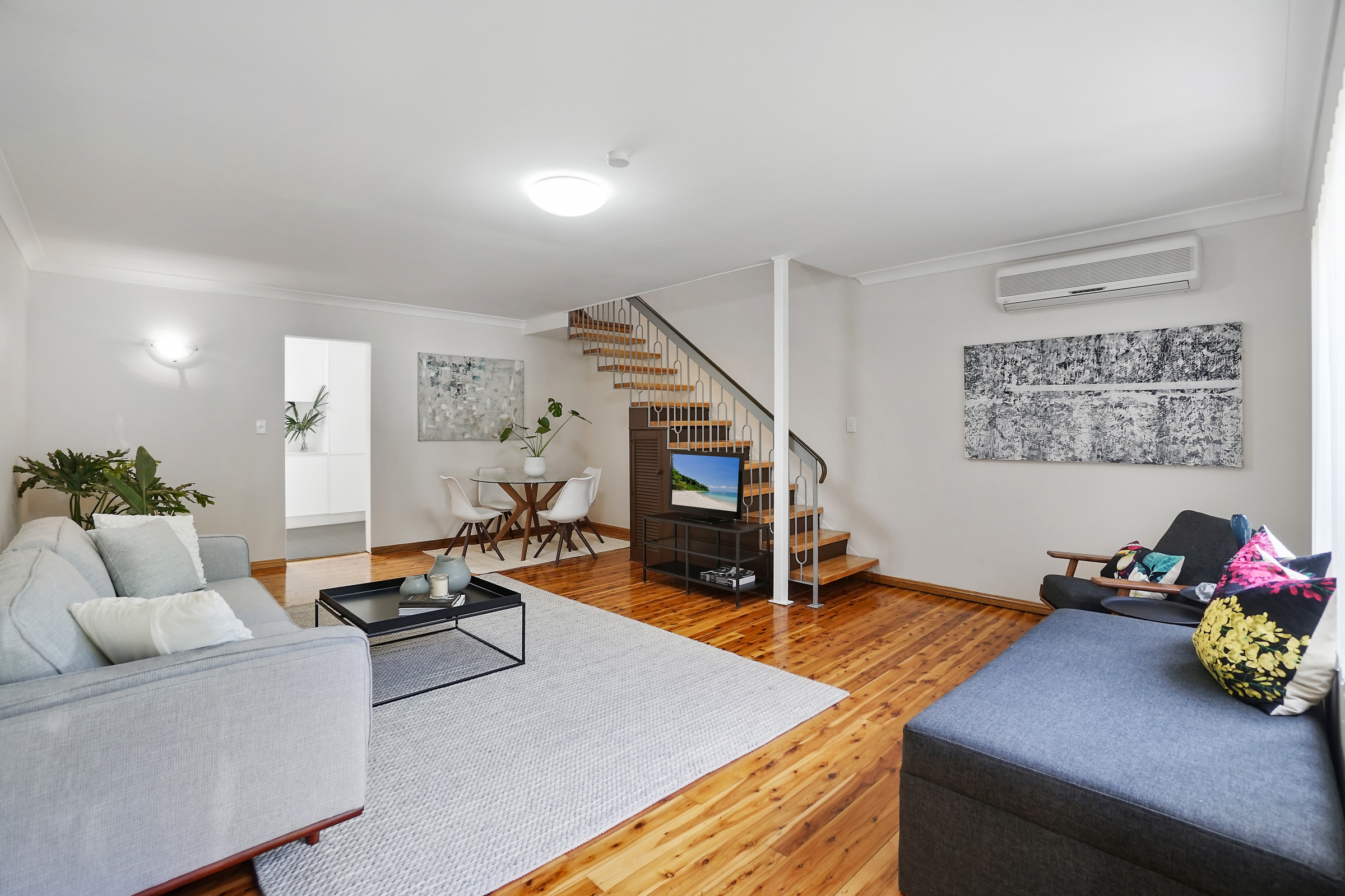 Meticulously Renovated Townhouse