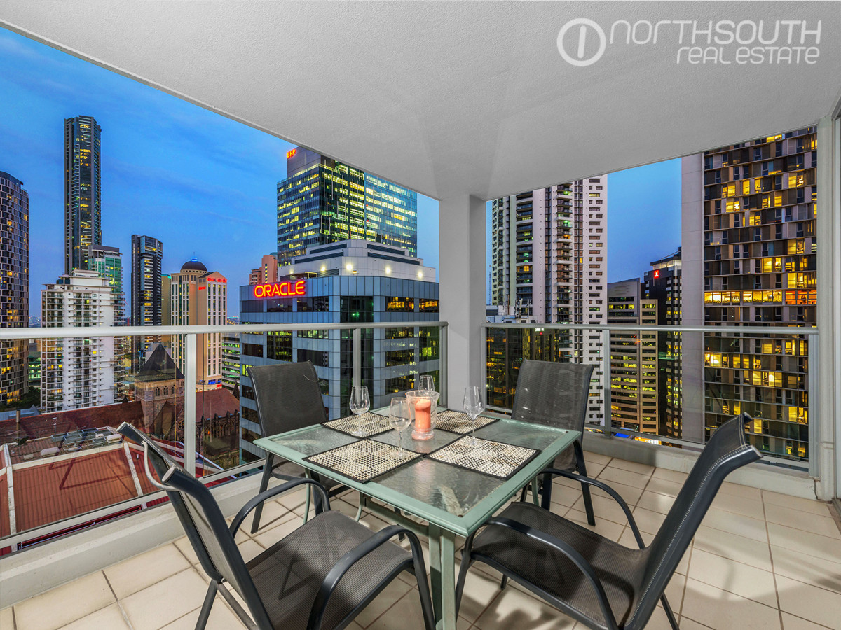 Incredible apartment at the Lexicon – Ideal inner city pad great investment!