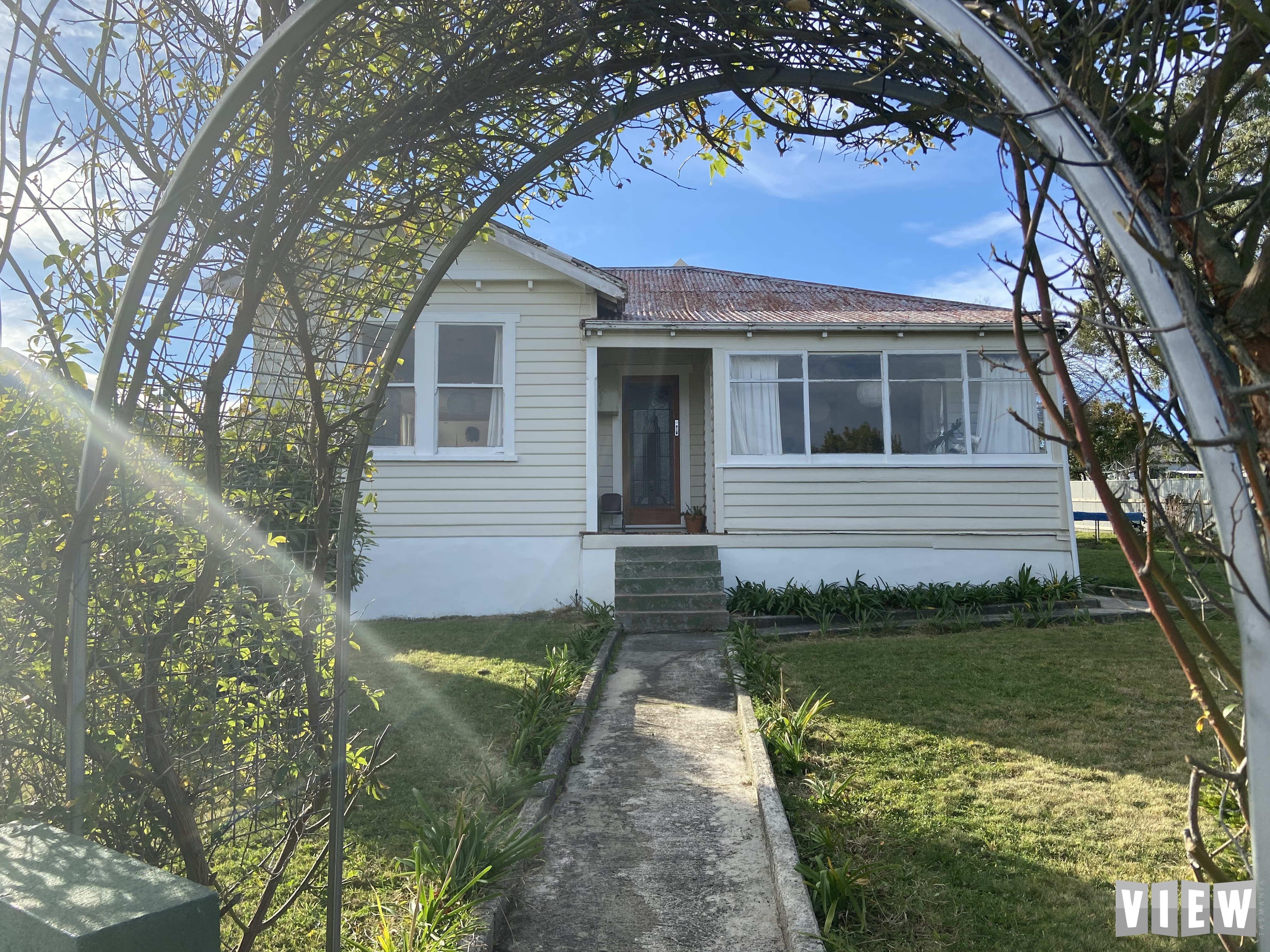 property image 2333560