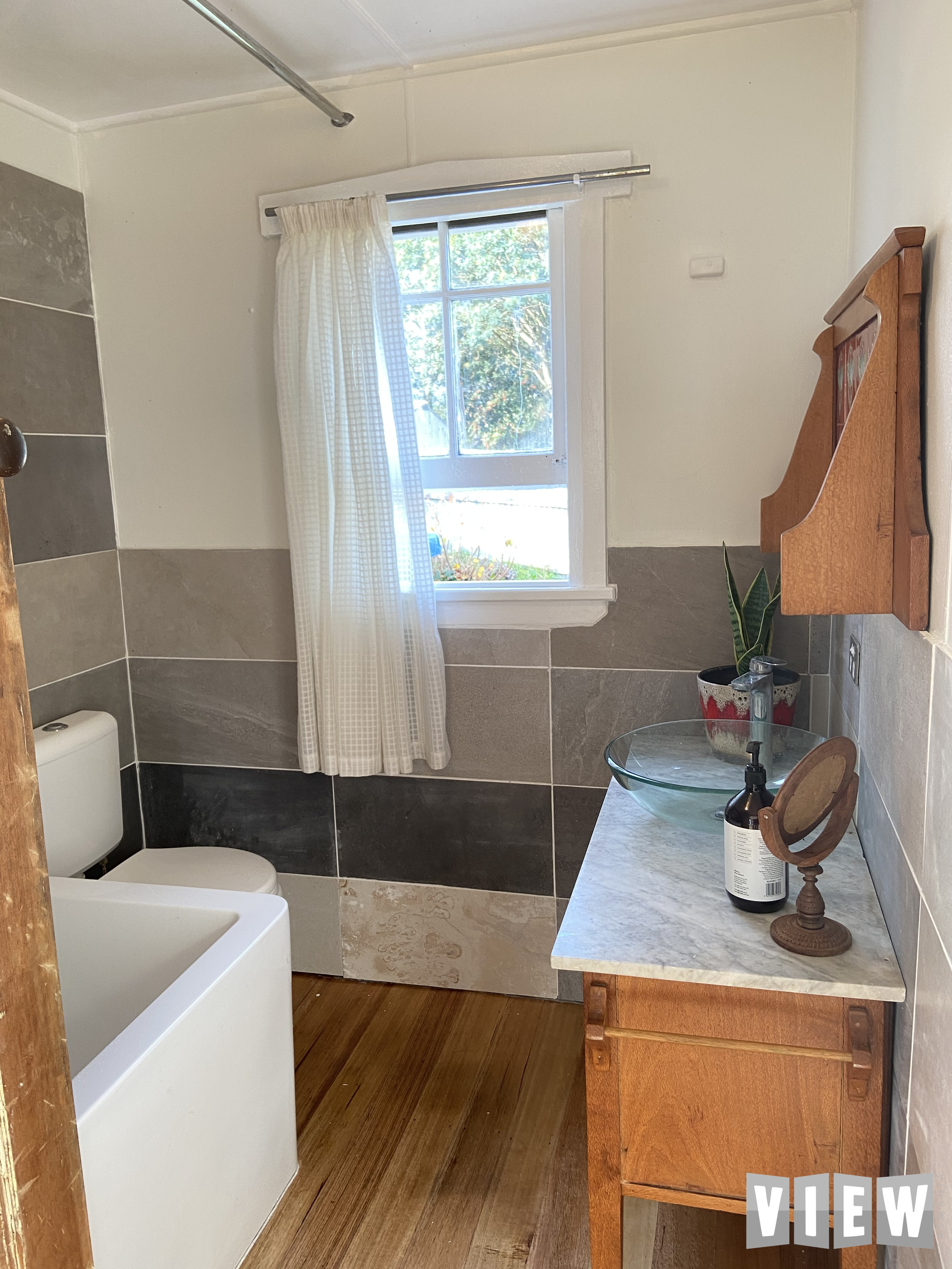 property image 2333550