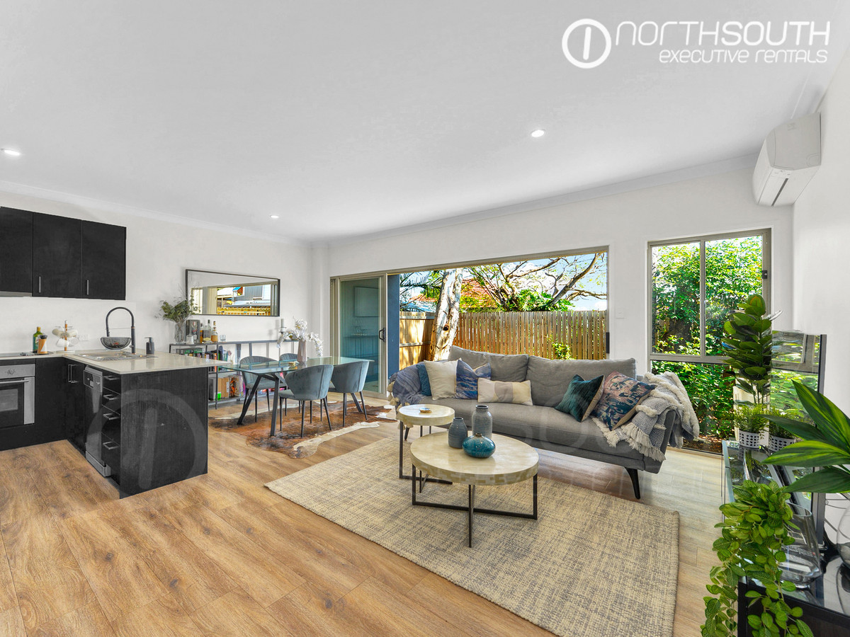 Stunning three bedroom townhouse | Unfurnished