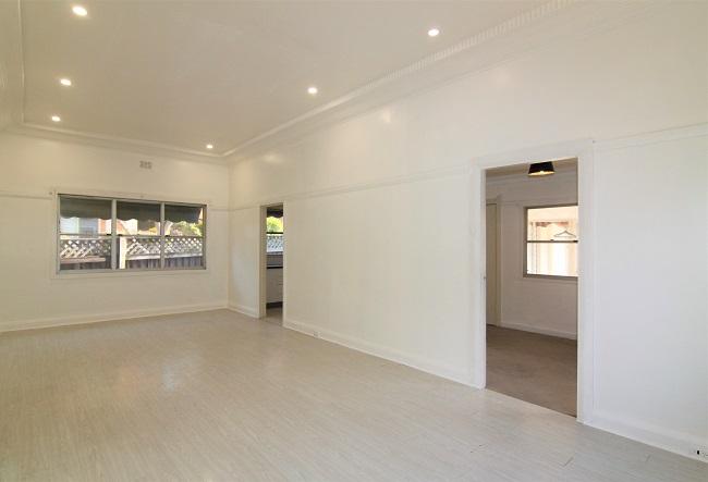 [DEPOSIT TAKEN] Tidy 2-3 bedroom home with low maintenance yard