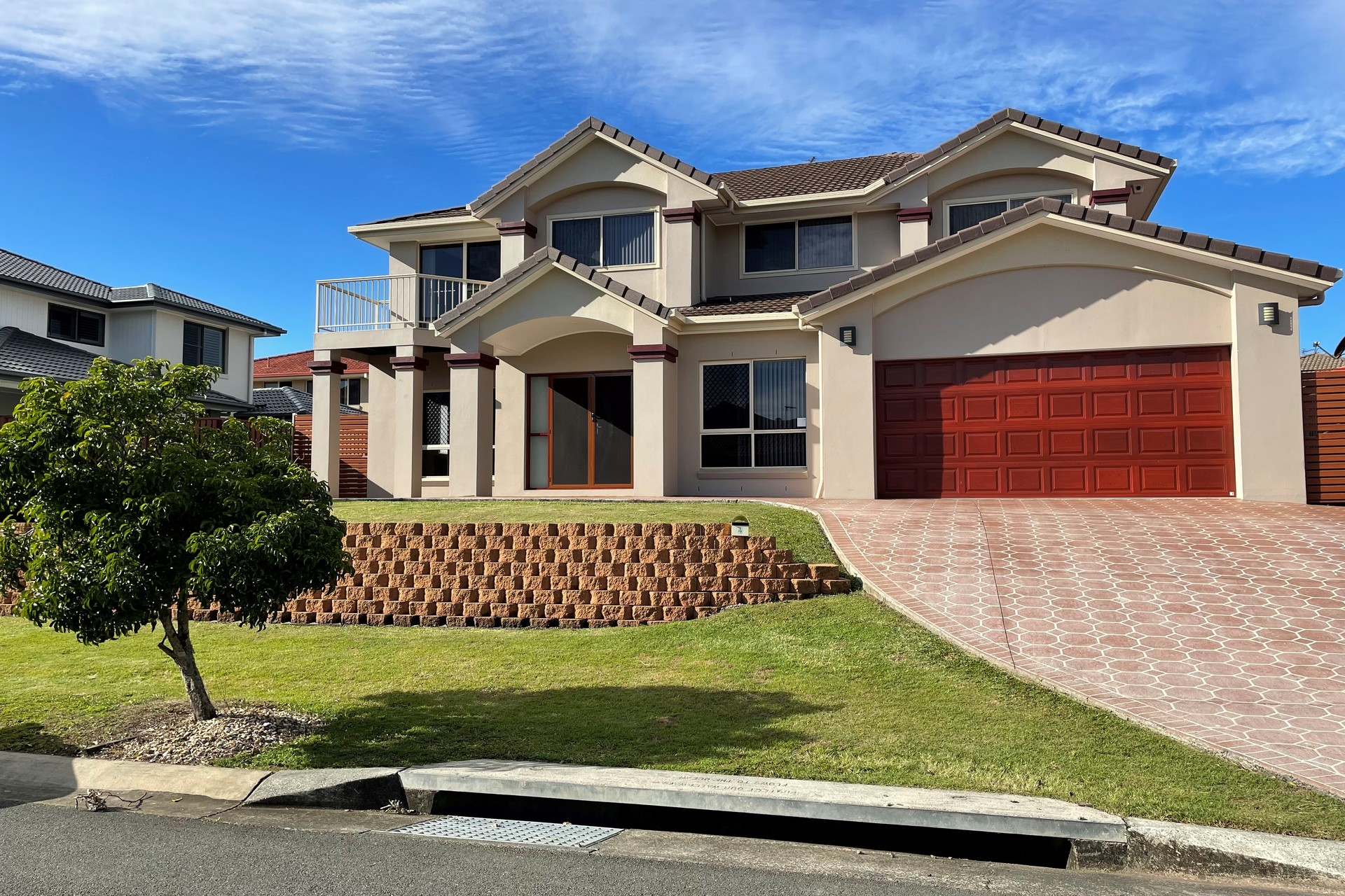 Amazing family home! AVAILABLE NOW!