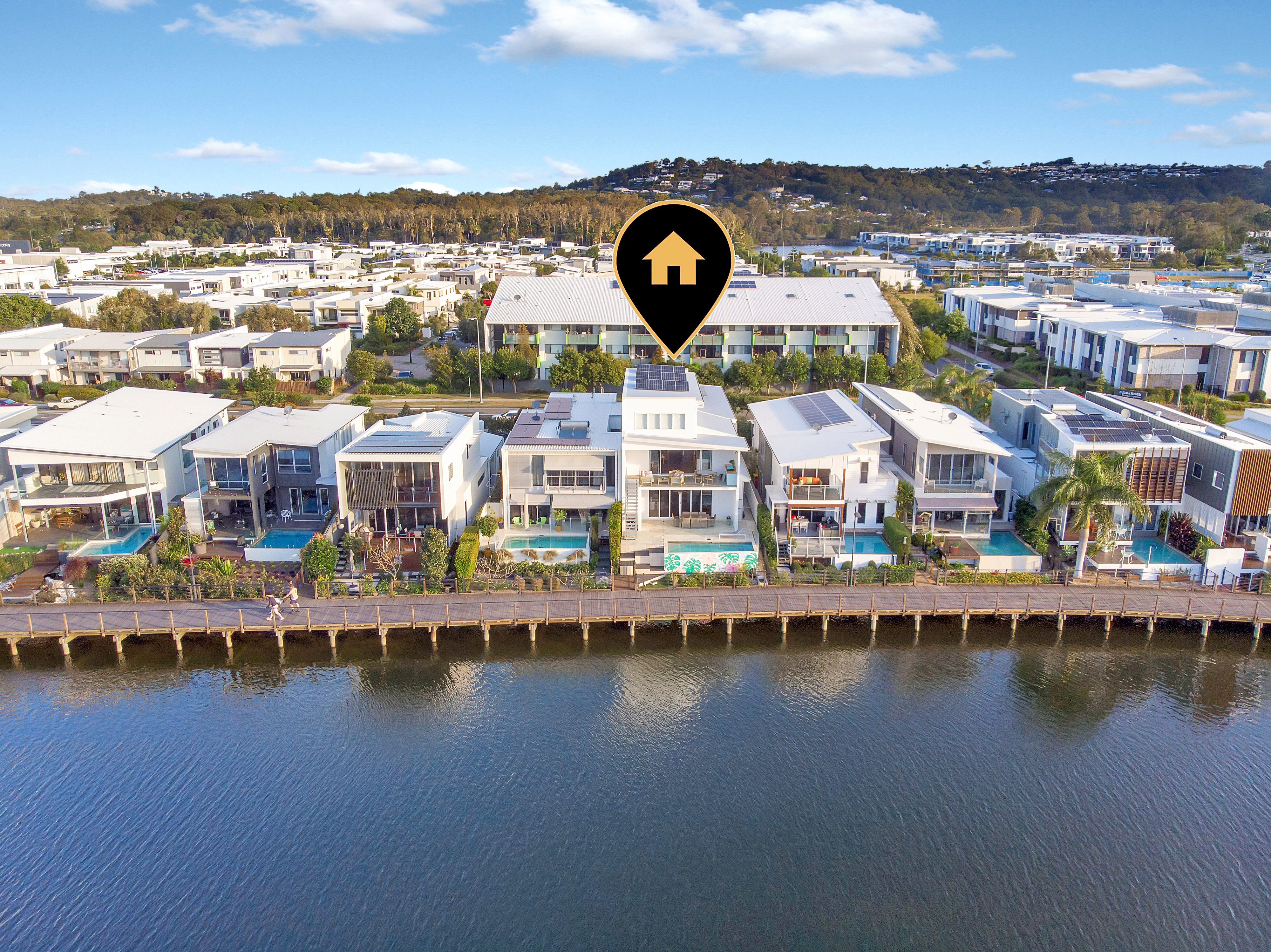 North Facing, Dual Occupancy Stunner in Sunshine Cove