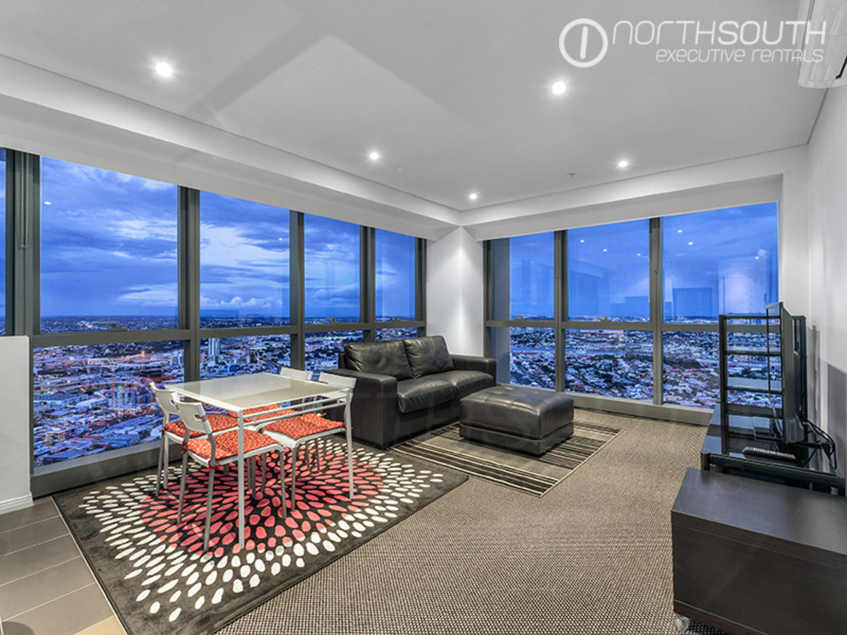 Jaw-Dropping Views from Impressive Contemporary Apartment (Fully Furnished)