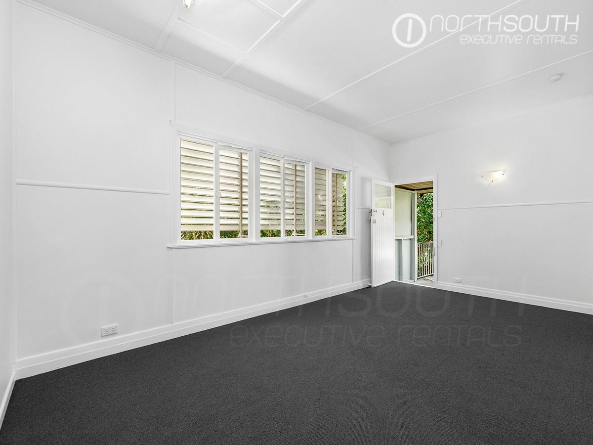 Spacious 2 Bedroom Unit Close to Brisbane City