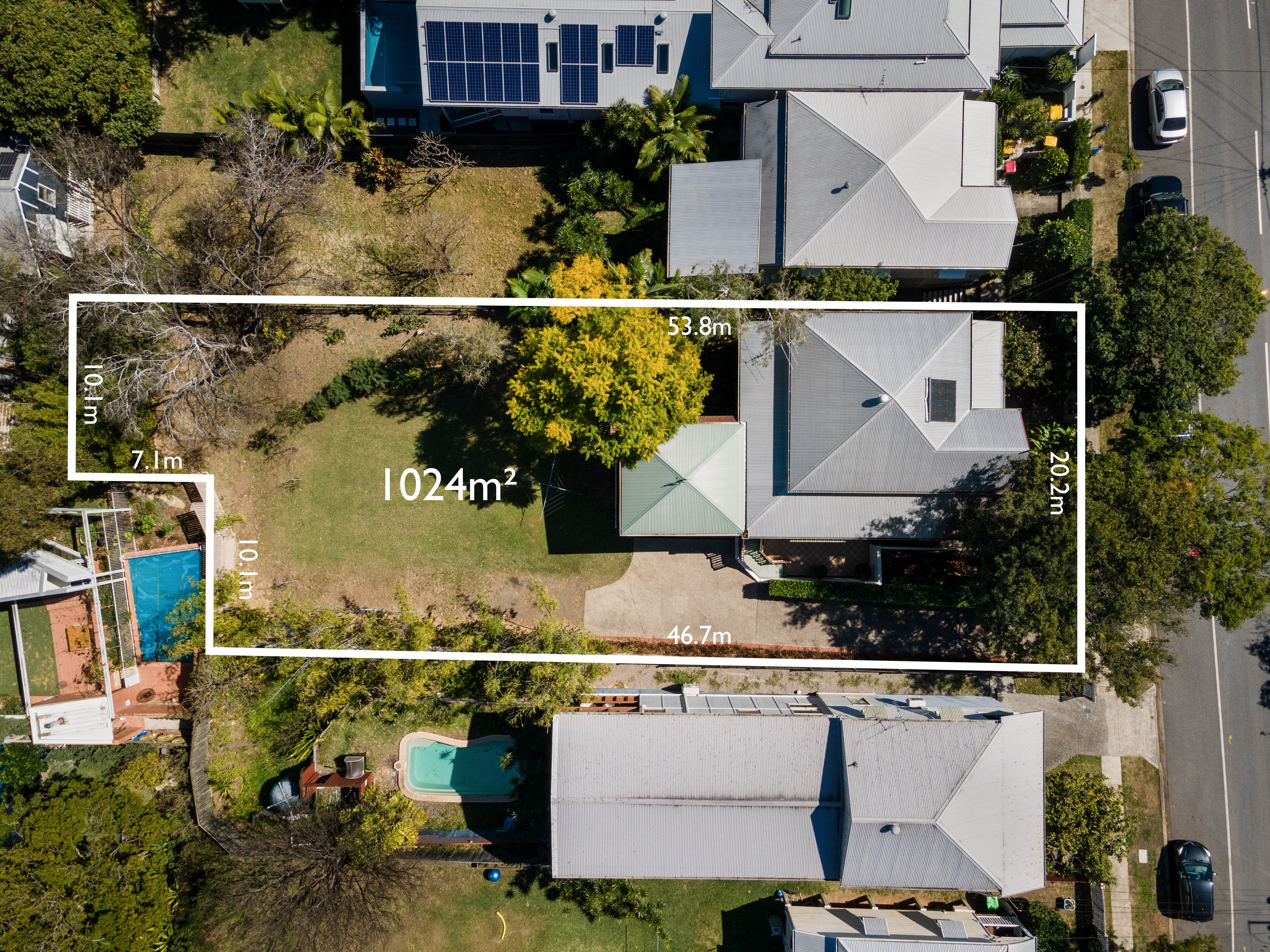 IS THIS PADDINGTON'S BIGGEST BACKYARD??? Endless Opportunity on a 1,024m2 Block!
