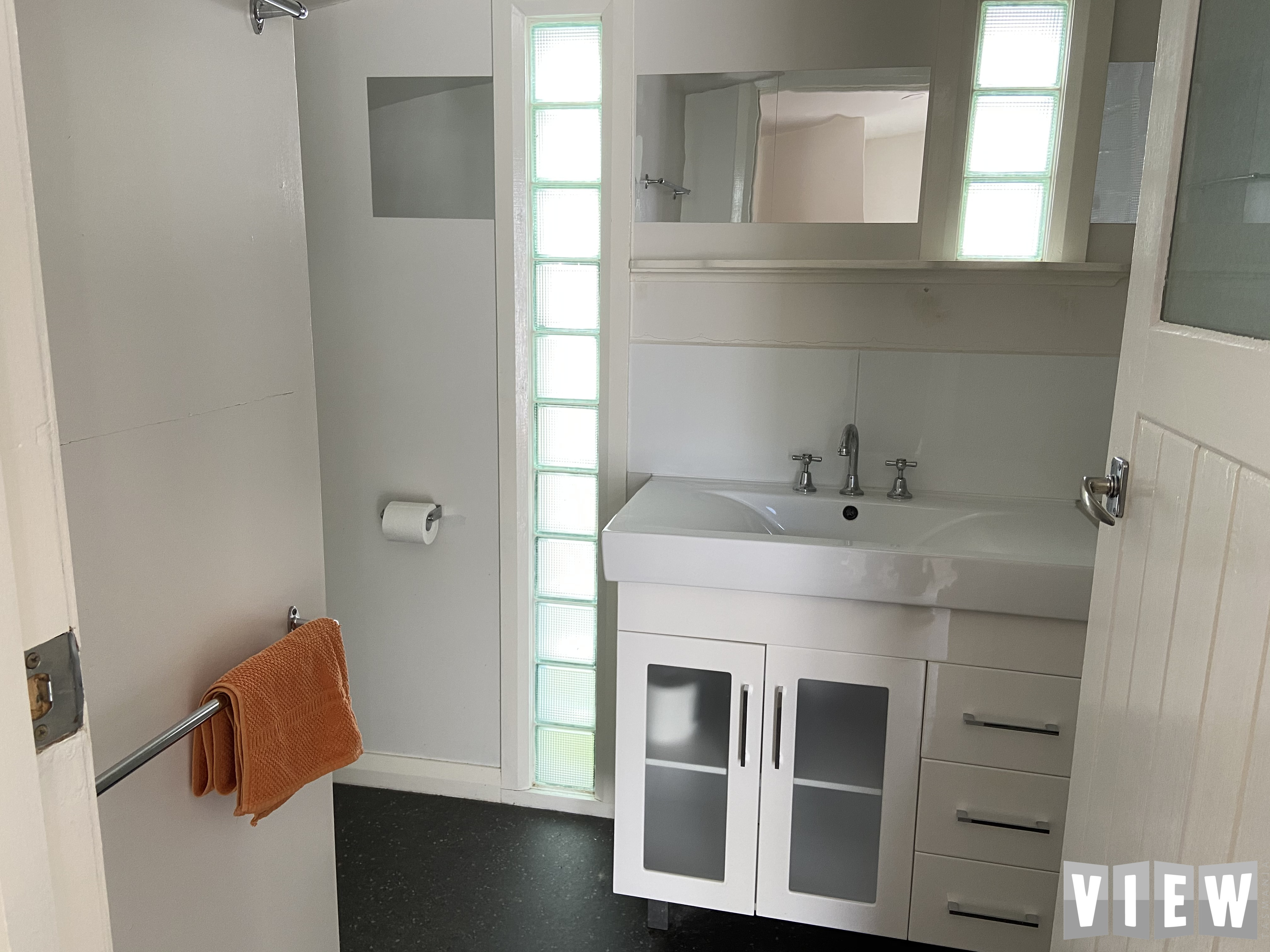 property image 2478847