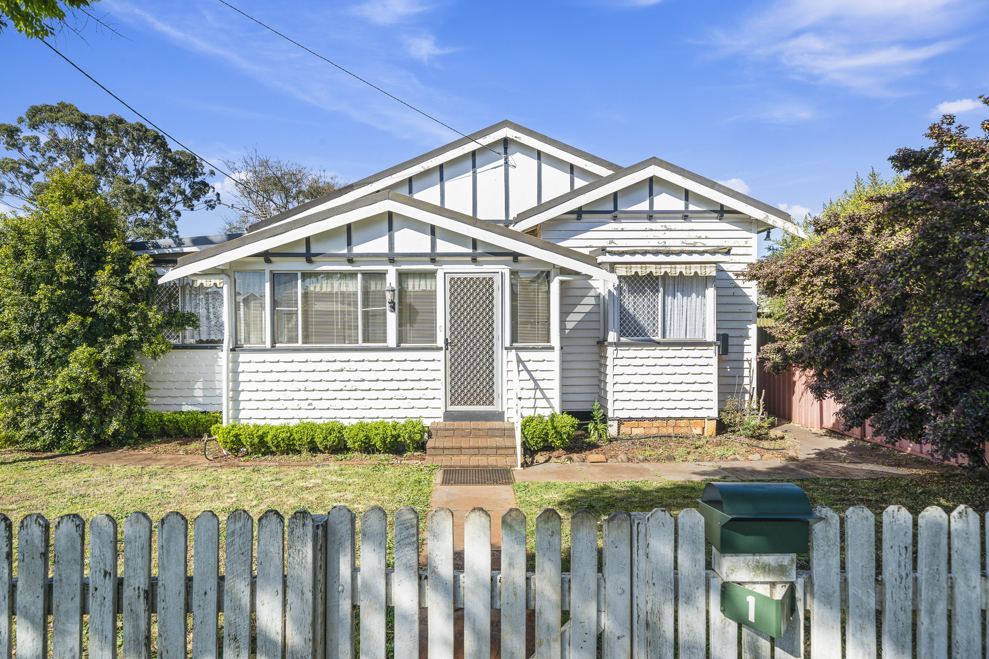 Classic Triple Gable Home in Historic Newtown. Auction Onsite 23 Oct at 10am