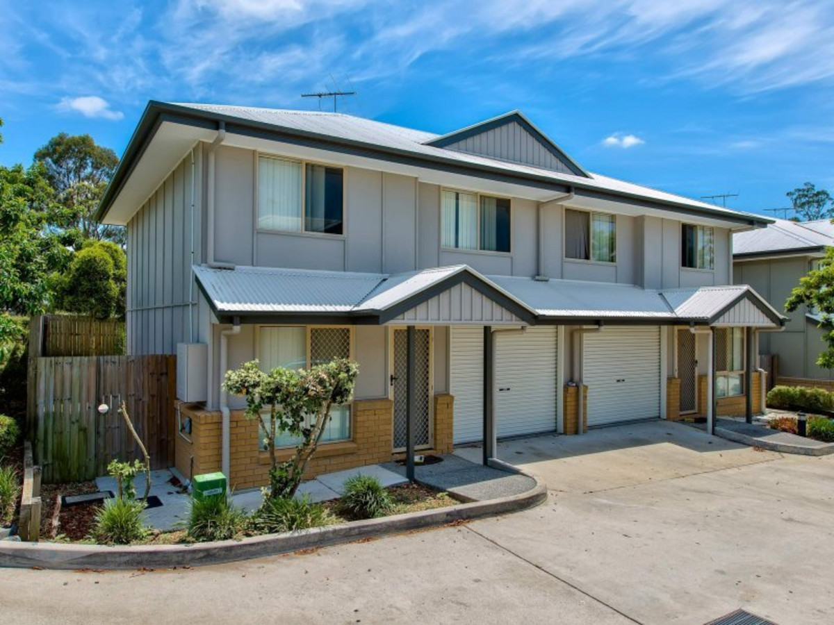 Fantastic Low Maintenance Townhome in quiet location!