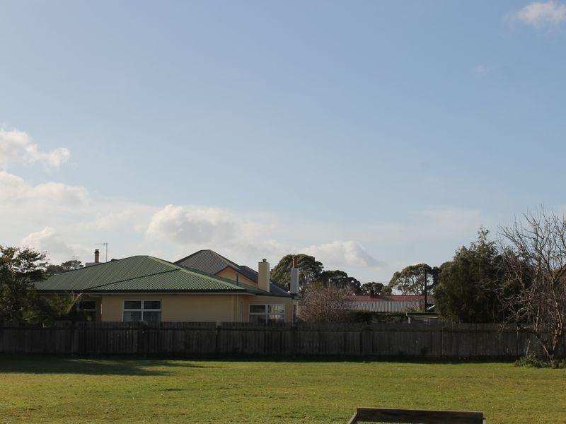 property image 2220841