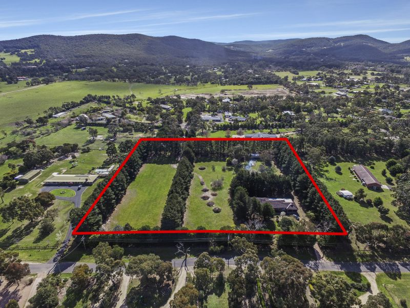 Lifestyle, Central Location, Development Nest Egg! – 5 Acres ( approx.)