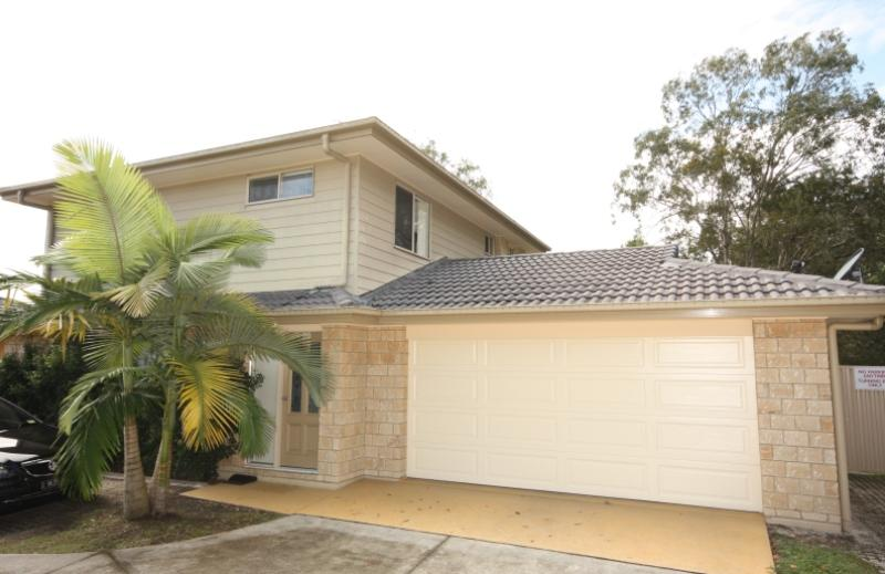PRIVATE END POSTION – GOOD YARD – GOOD SPACE